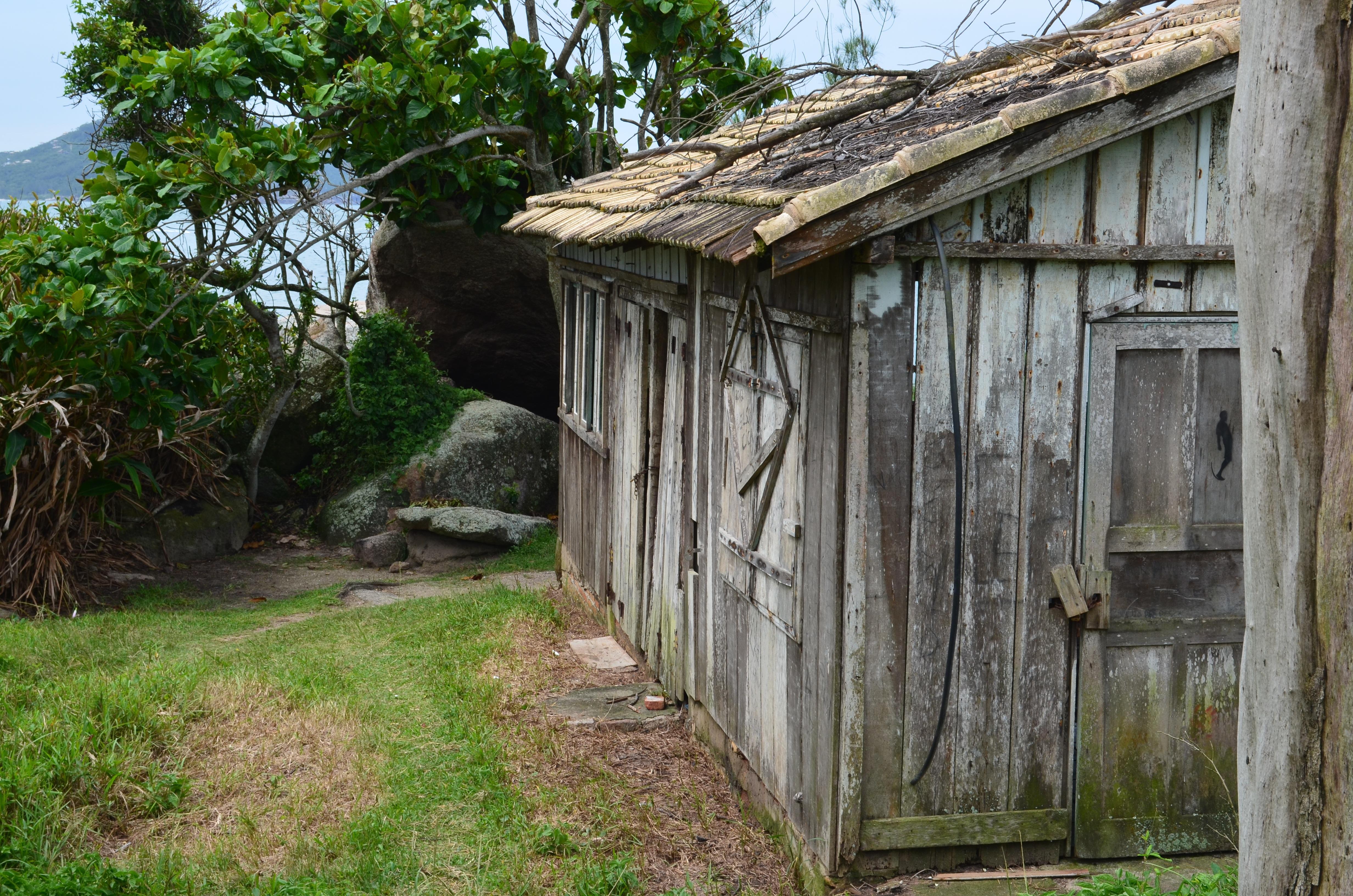 Images gratuites bois maison b timent cabanon cabane for Agrandissement maison zone rurale