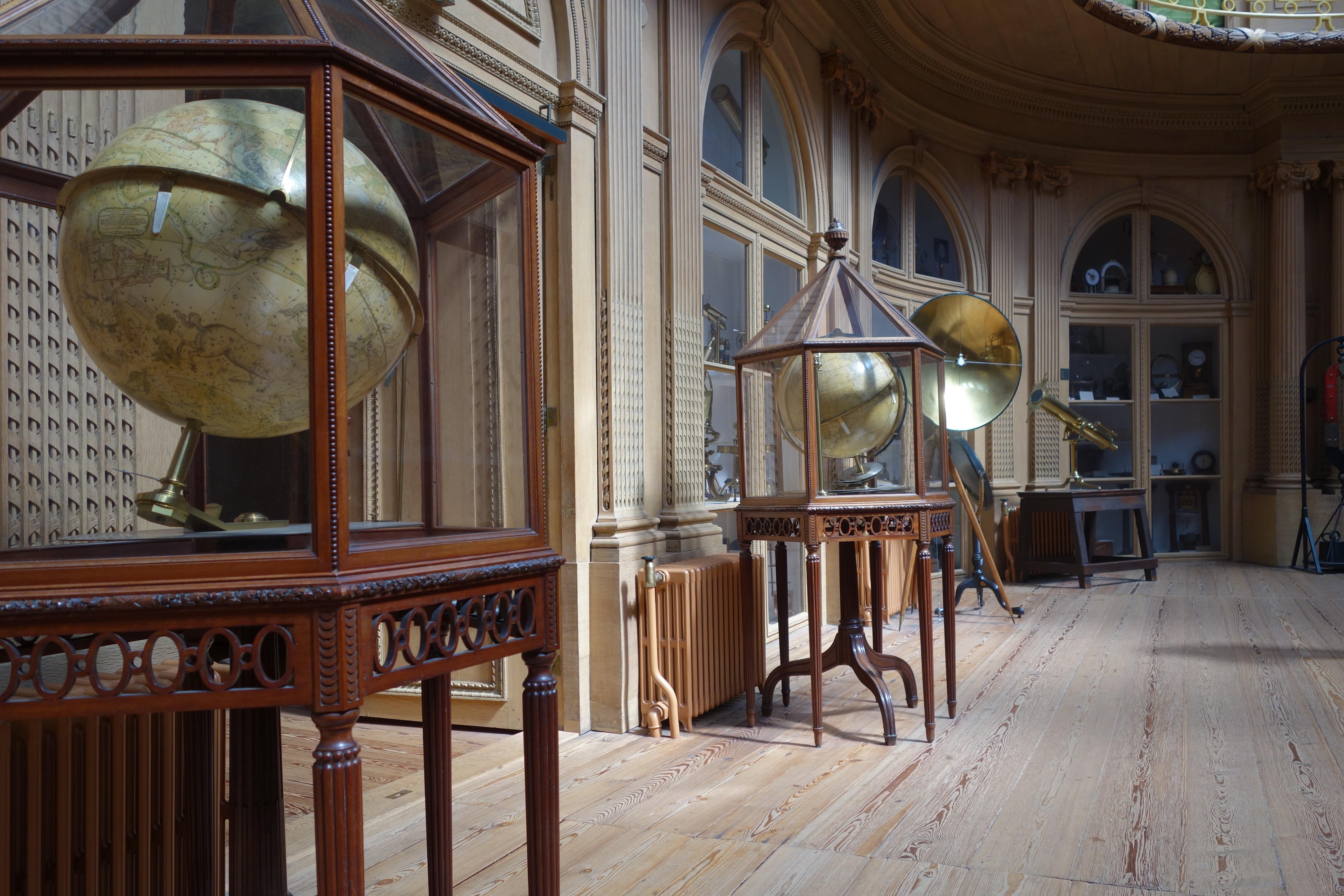 Images gratuites bois maison b timent restaurant for Ancienne collection maison du monde