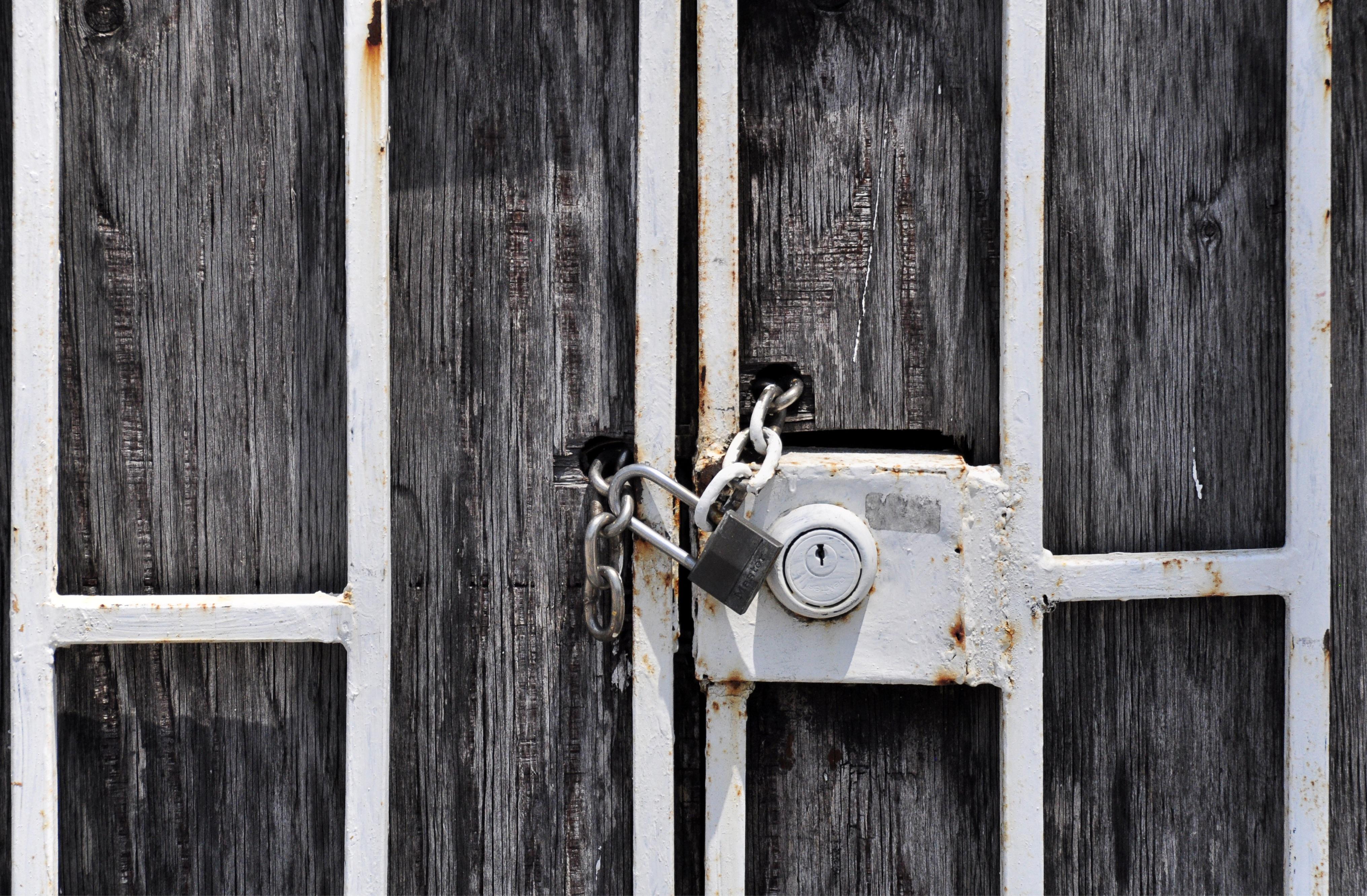 Images gratuites bois maison cha ne sol fen tre mur for Fermer la fenetre
