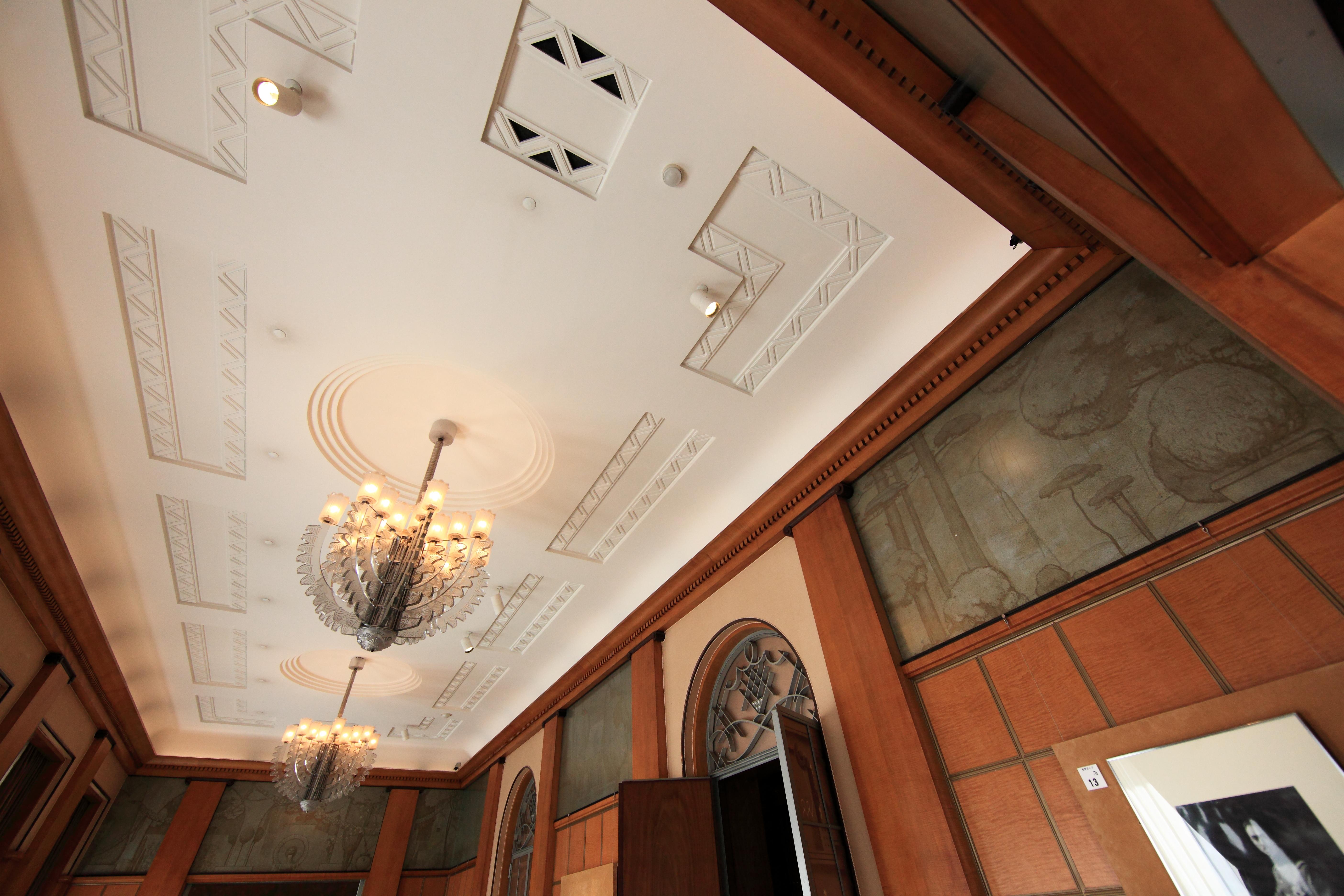 Gratis afbeeldingen : hout huis verdieping huis muur plafond