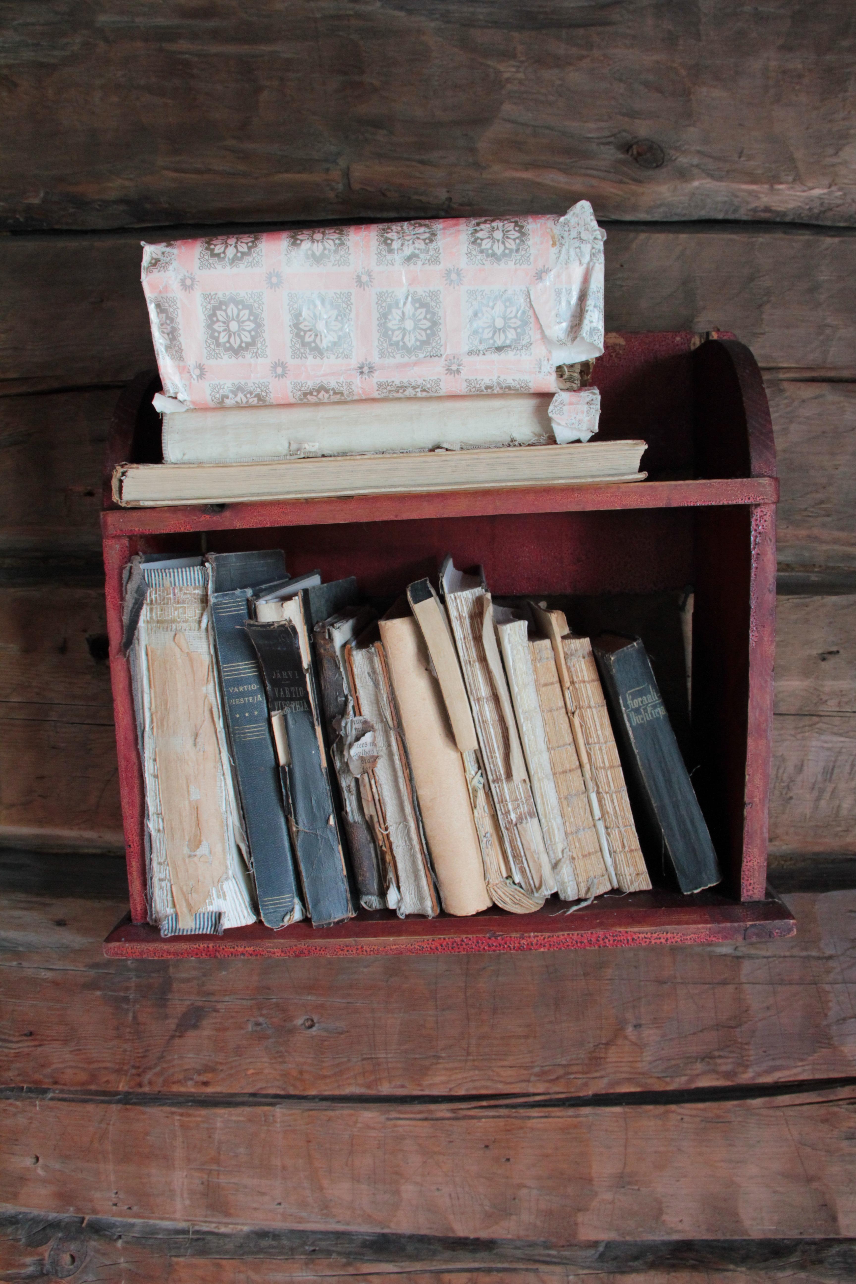 Gratis Afbeeldingen : hout, huis, oud, rood, kleur, plank, meubilair ...