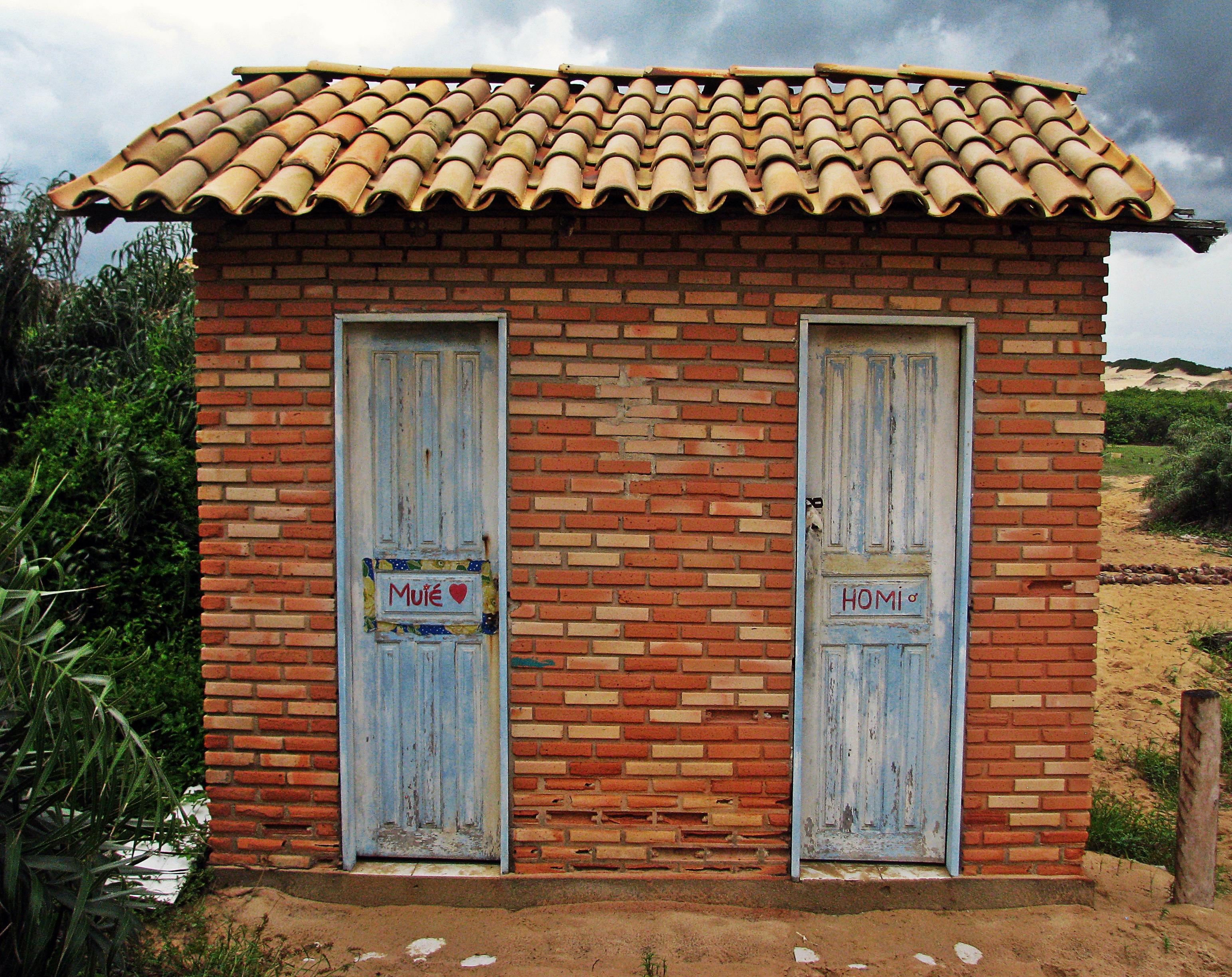 Shed door with window kostenlose foto holz haus fenster for Haus fenster