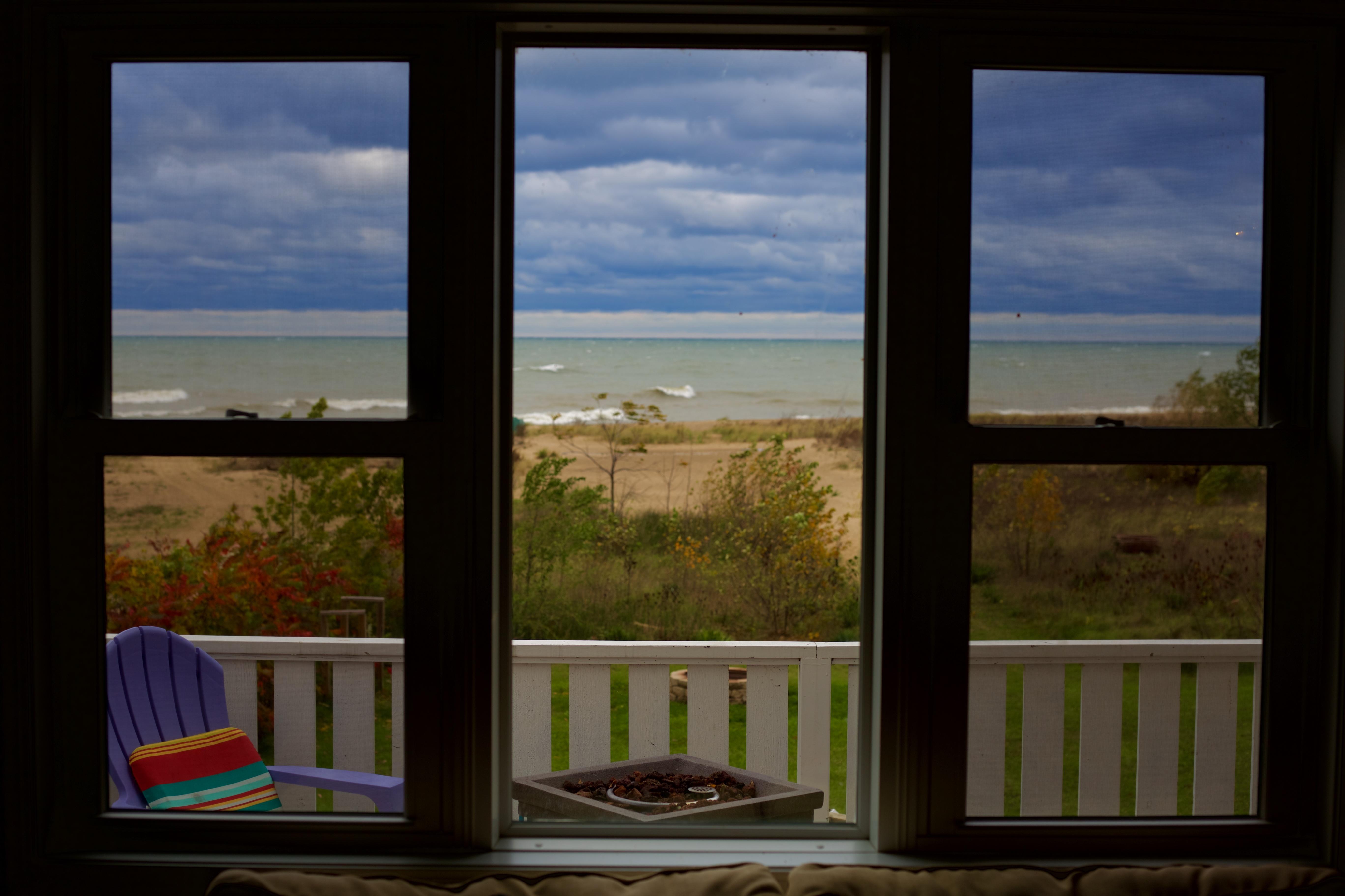 Gratis billeder : træ, hus, vindue, glas, hjem, væg, farve ...