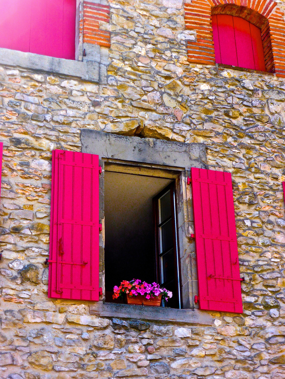Exceptional Holz Haus Fenster Zuhause Mauer Stein Dekoration Rot Farbe Fassade  Wohnzimmer Blumen Innenarchitektur Hell Außenhaus