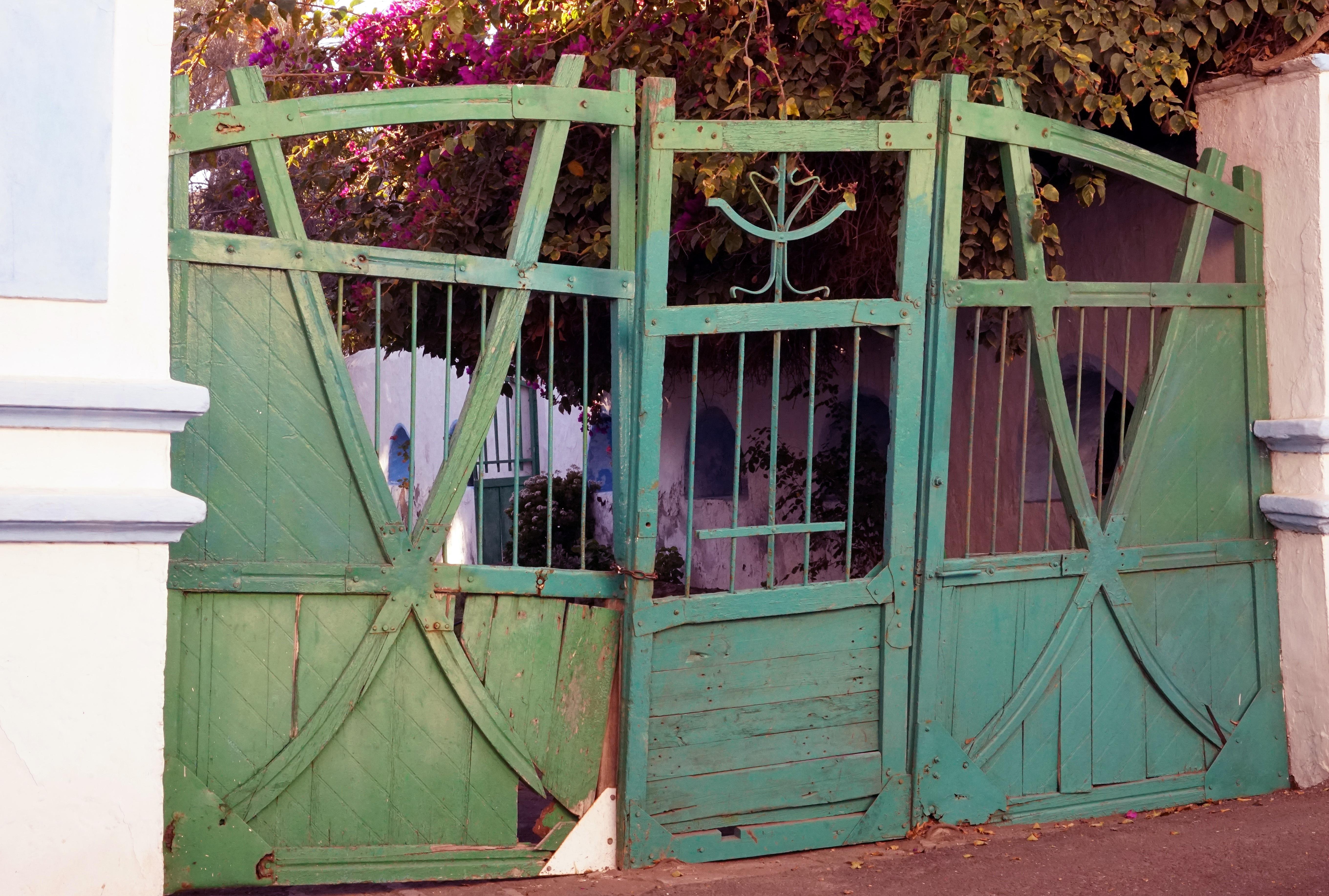 Fotos gratis : madera, casa, ventana, antiguo, cobertizo, color ...