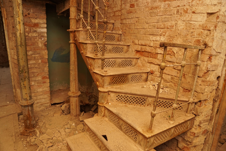 Fotos gratis madera casa ventana haz columna - Escaleras de ladrillo ...