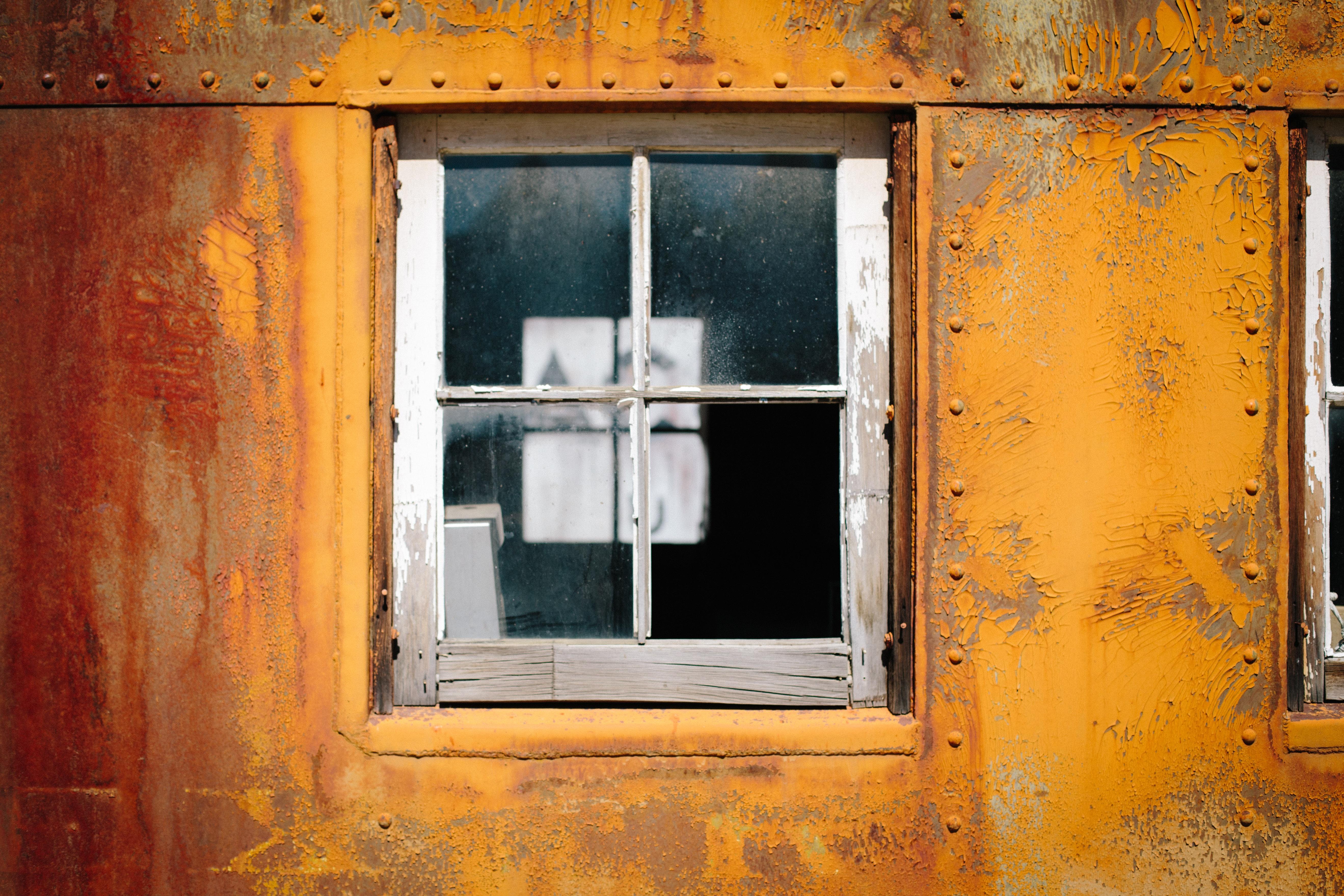 Fotos gratis : madera, casa, pared, acero, color, metal, marco ...