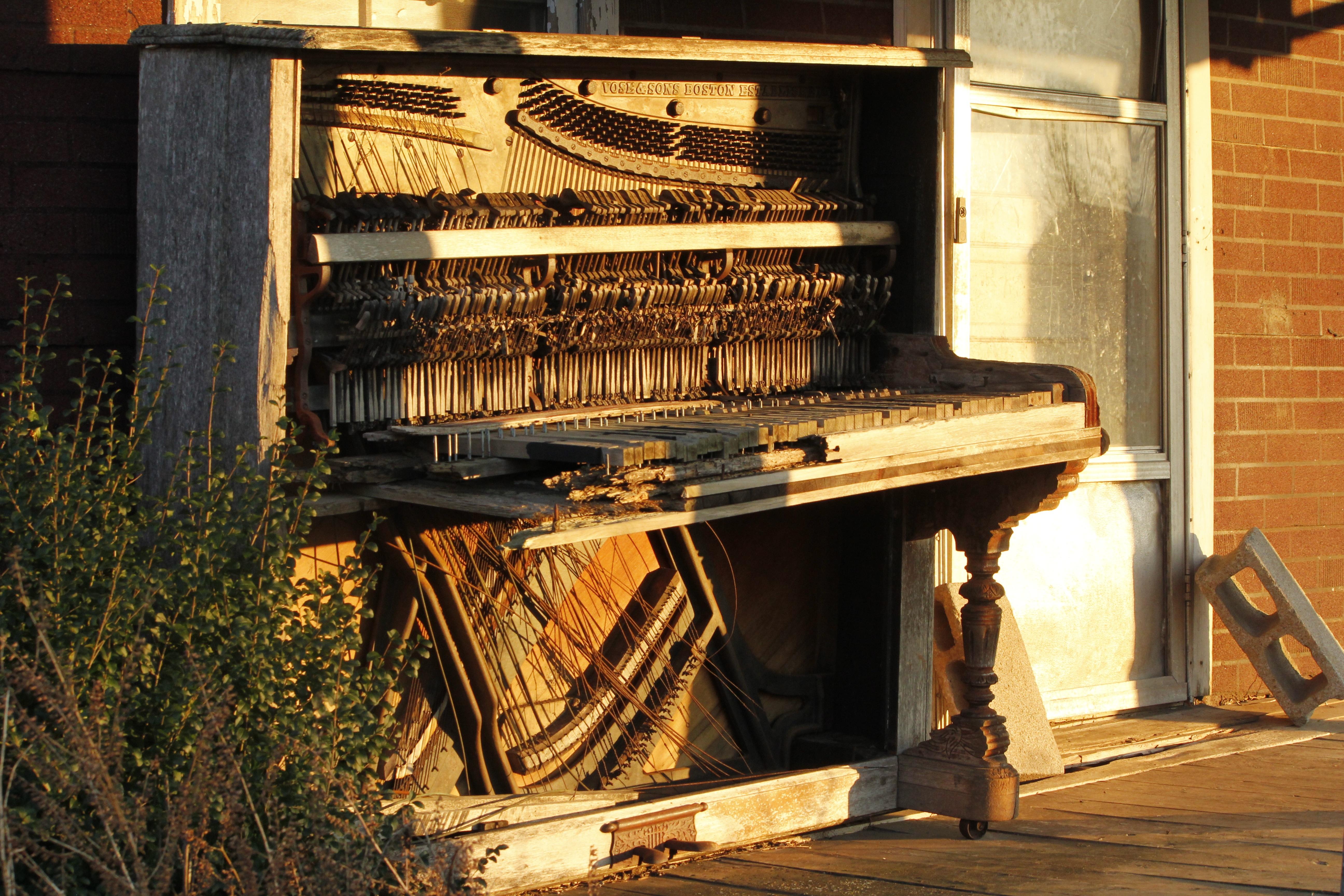 Открытка пианино с днем рождения мойдодыра есть