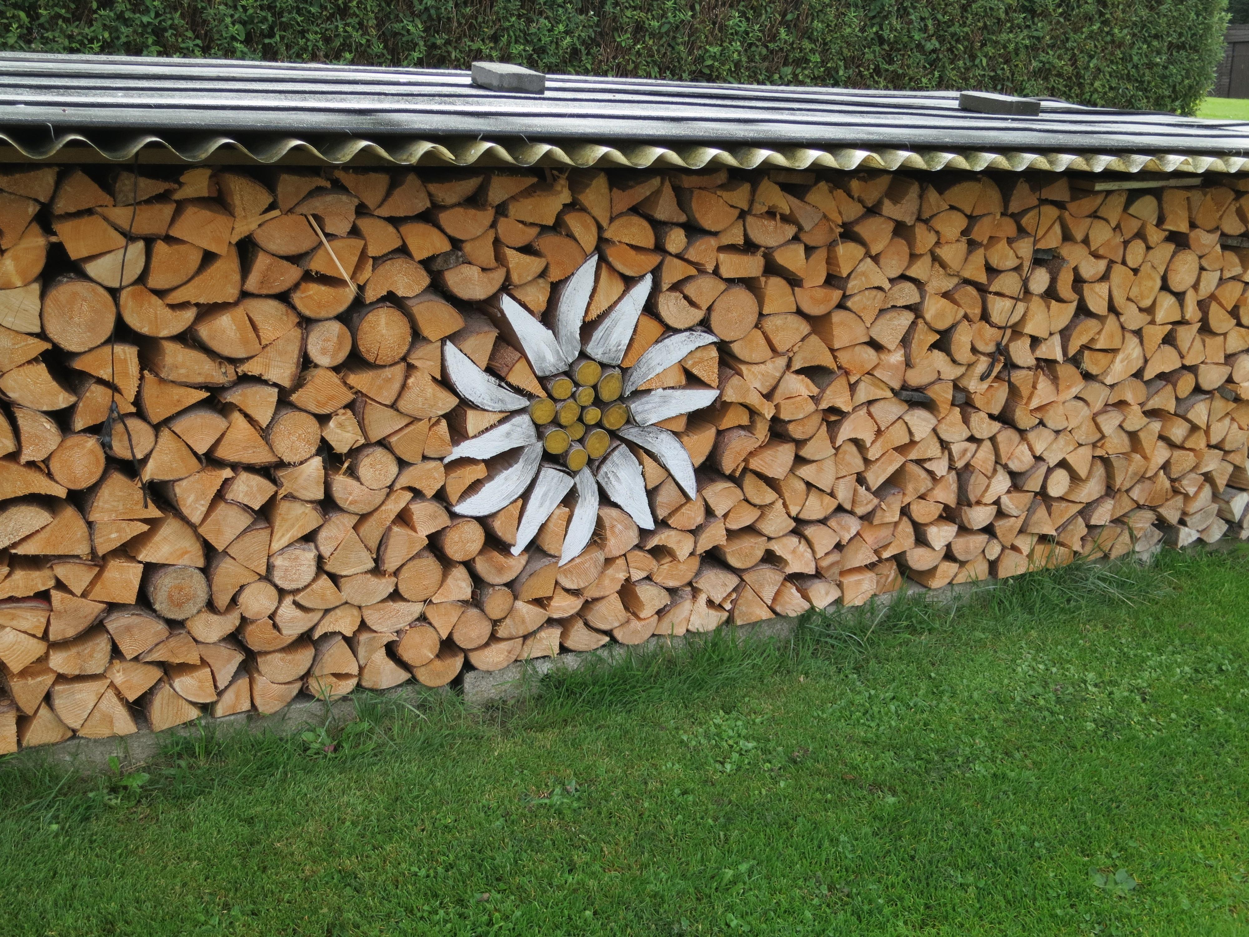 Alvorlig Bildet : tre, plen, vegg, Hagen, jord, steinvegg, stable OU-63