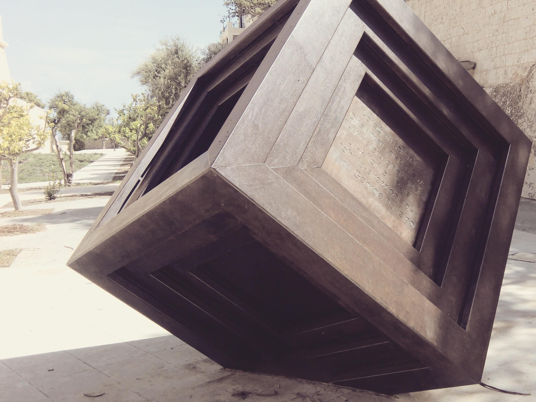 Moderne Skulptur gratis billeder træ skulptur terning malta form moderne kunst