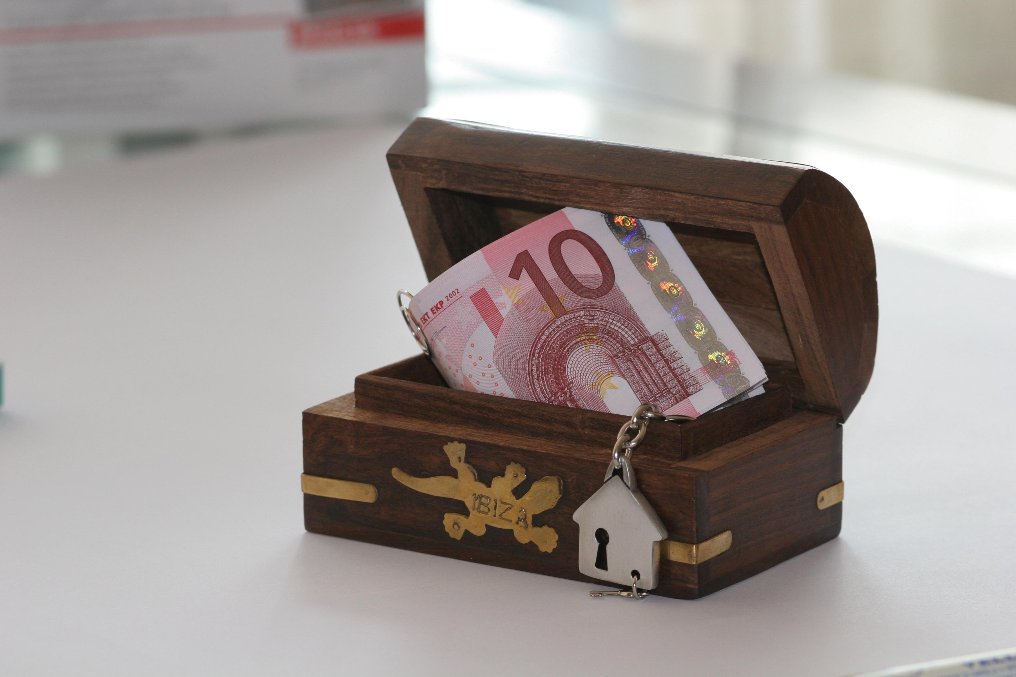 картинки деньги или подарок вначале подумал