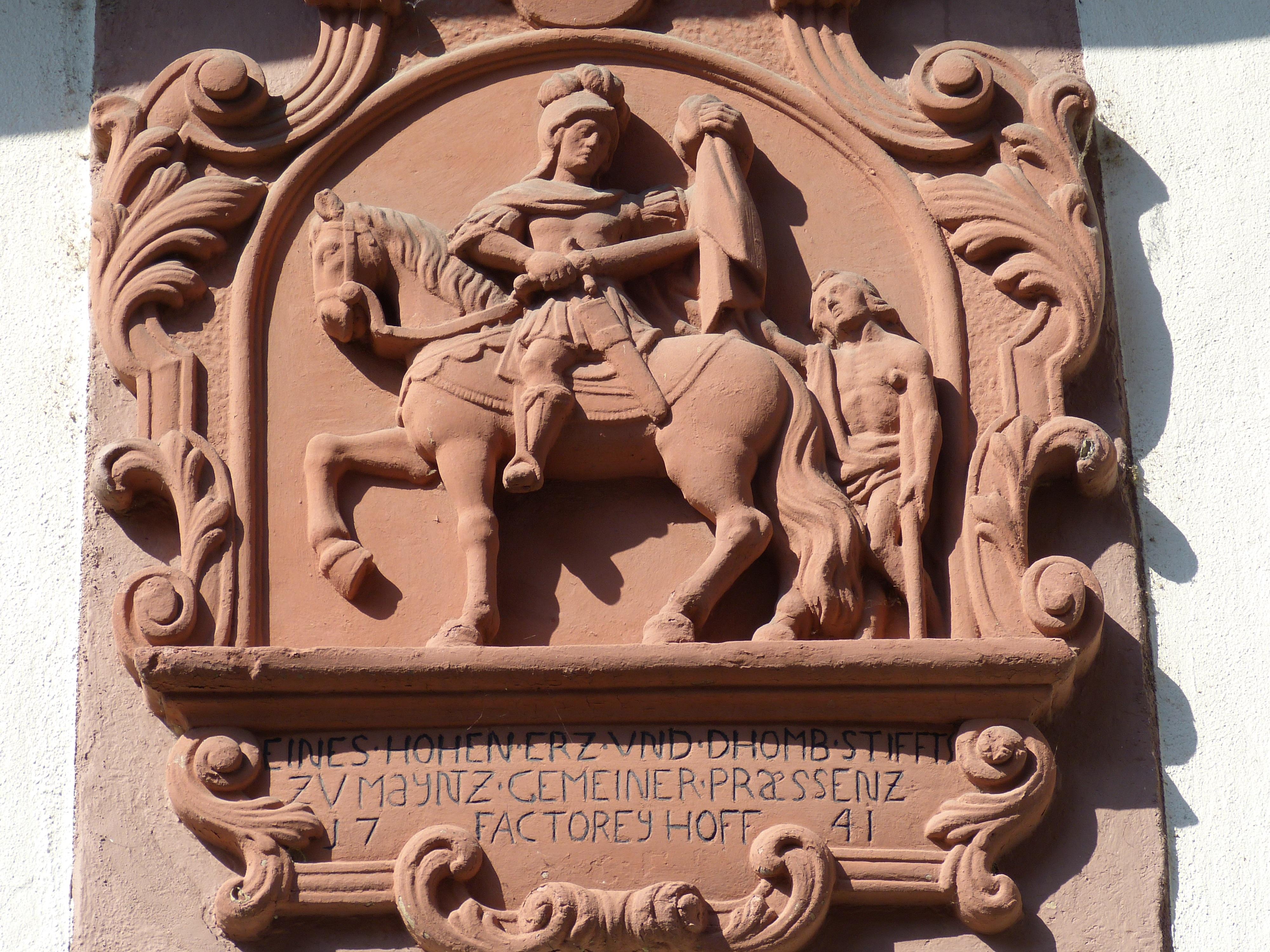 Fotos gratis : madera, Monumento, estatua, Iglesia, ayuda, escultura ...