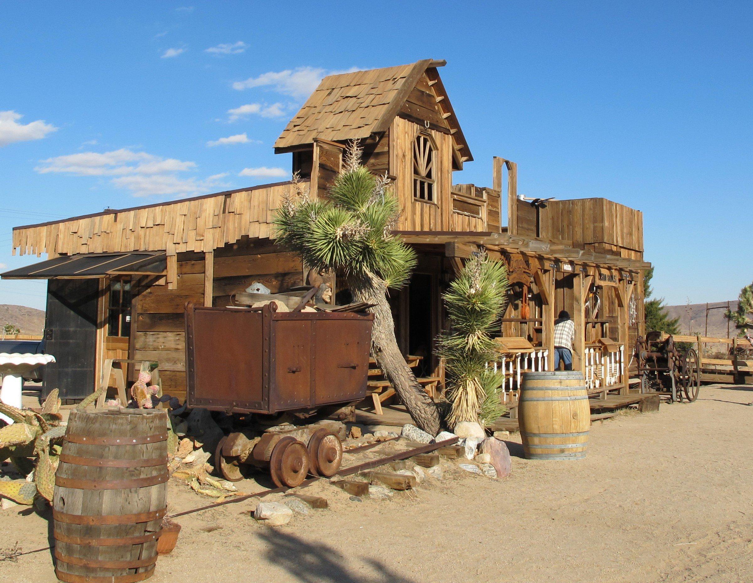 Trolley In Huis : Gratis afbeeldingen hout oud huis hut dorp trolley keet