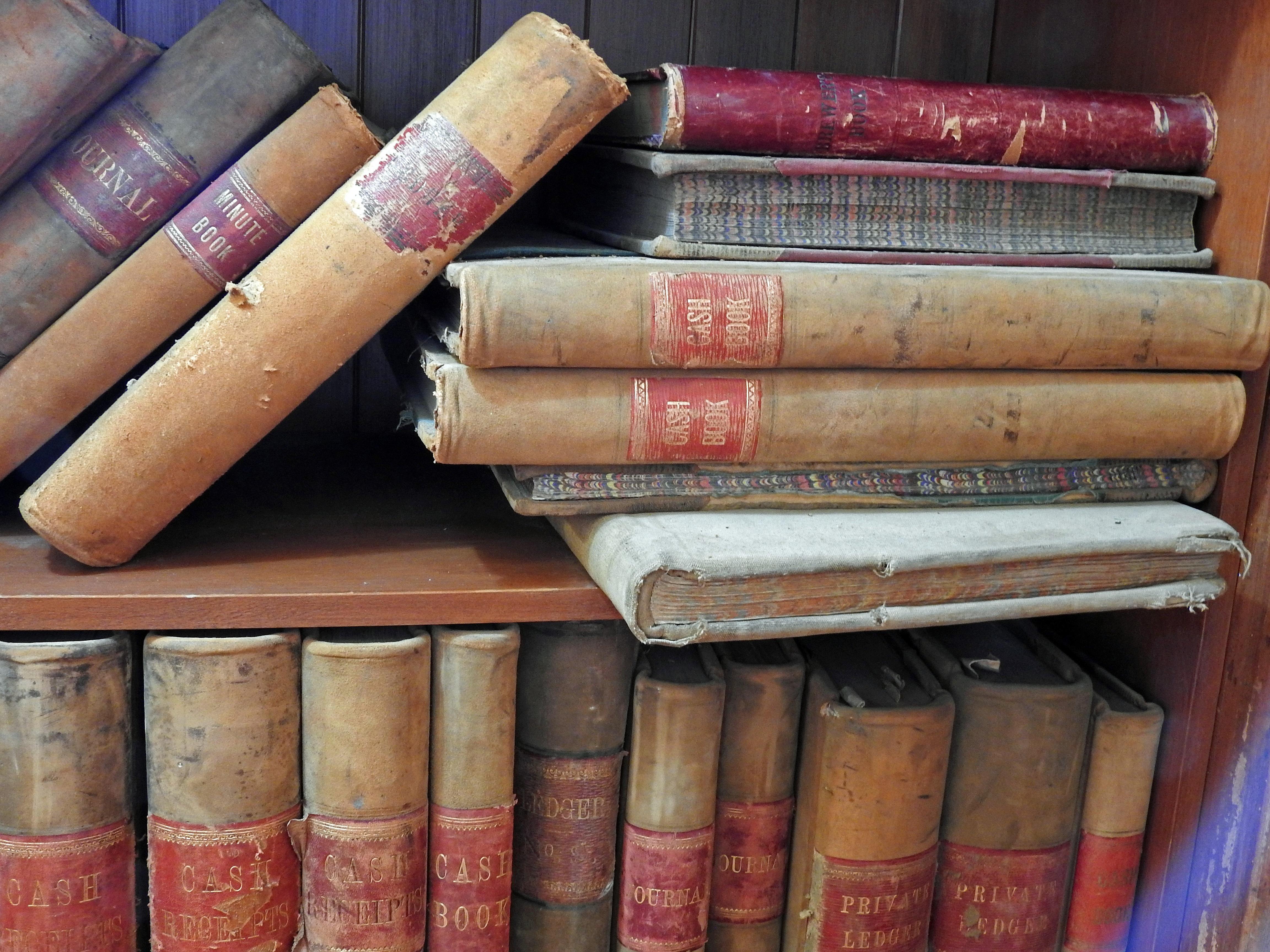 Fotos Gratis Madera Antiguo Espina Librero Cigarro Usado  # Muebles Para Cigarros