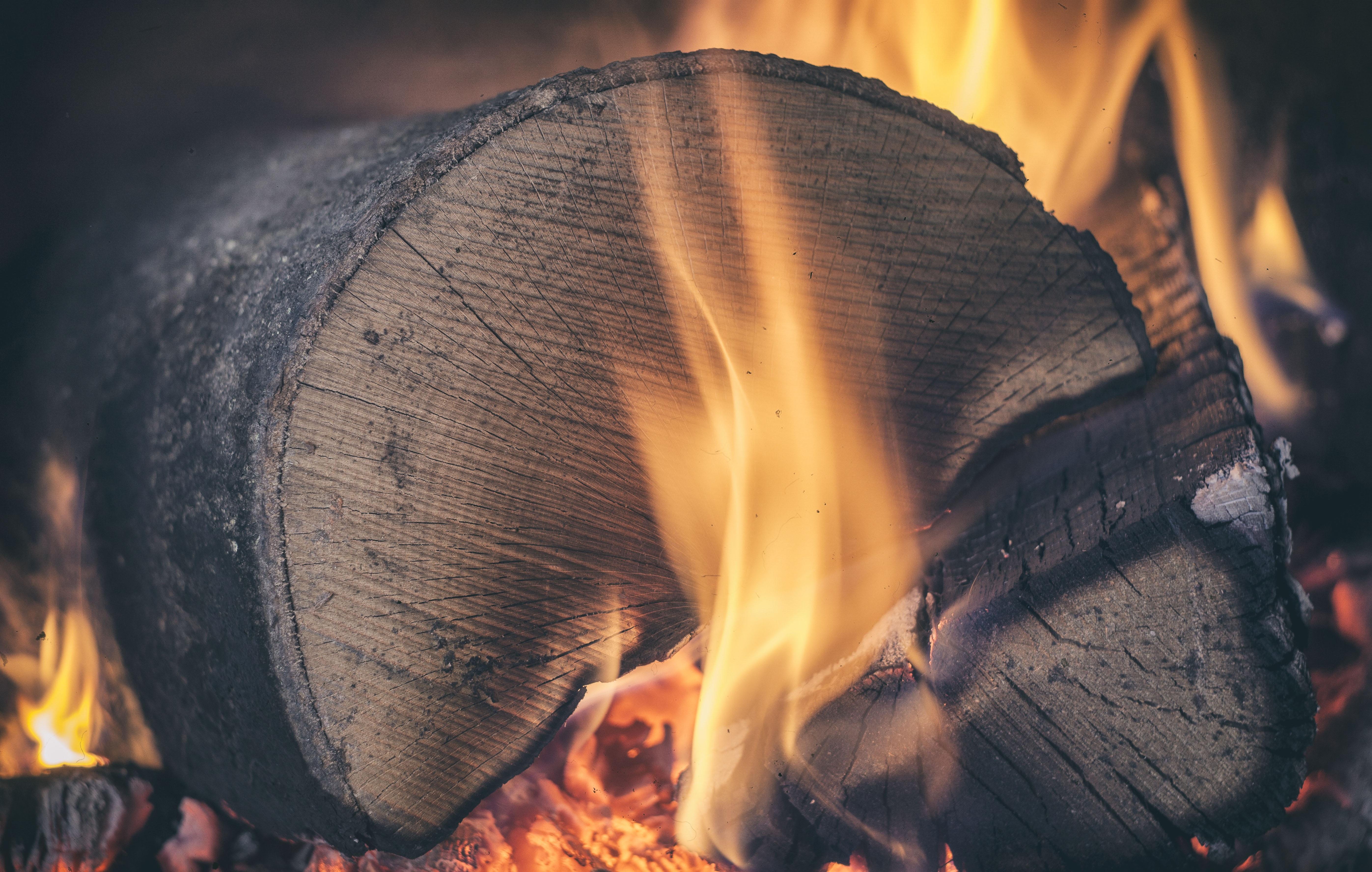 Картинка горение древесины