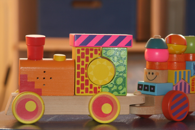 Gambar Kayu Kereta Api Bermain Melatih Warna Warna Warni Mainan Produk Anak Anak Lokomotif Taman Kanak Kanak 2816x1880 1118266 Galeri Foto Pxhere