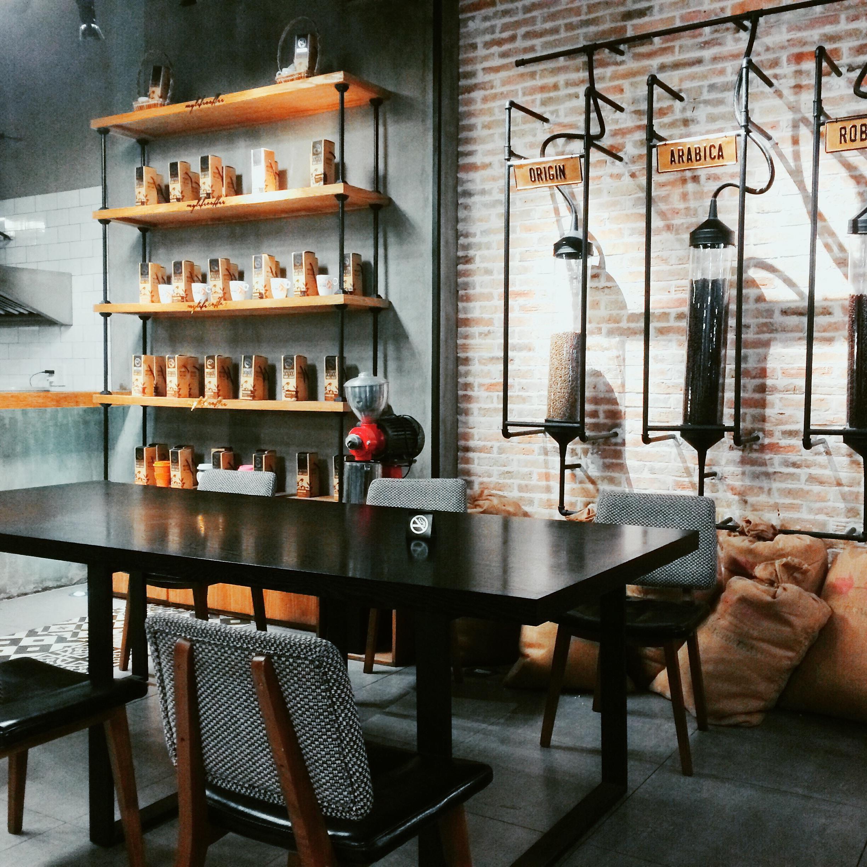 Kostenlose foto : Holz, Restaurant, Bar, Möbel, Zimmer, Küche ...