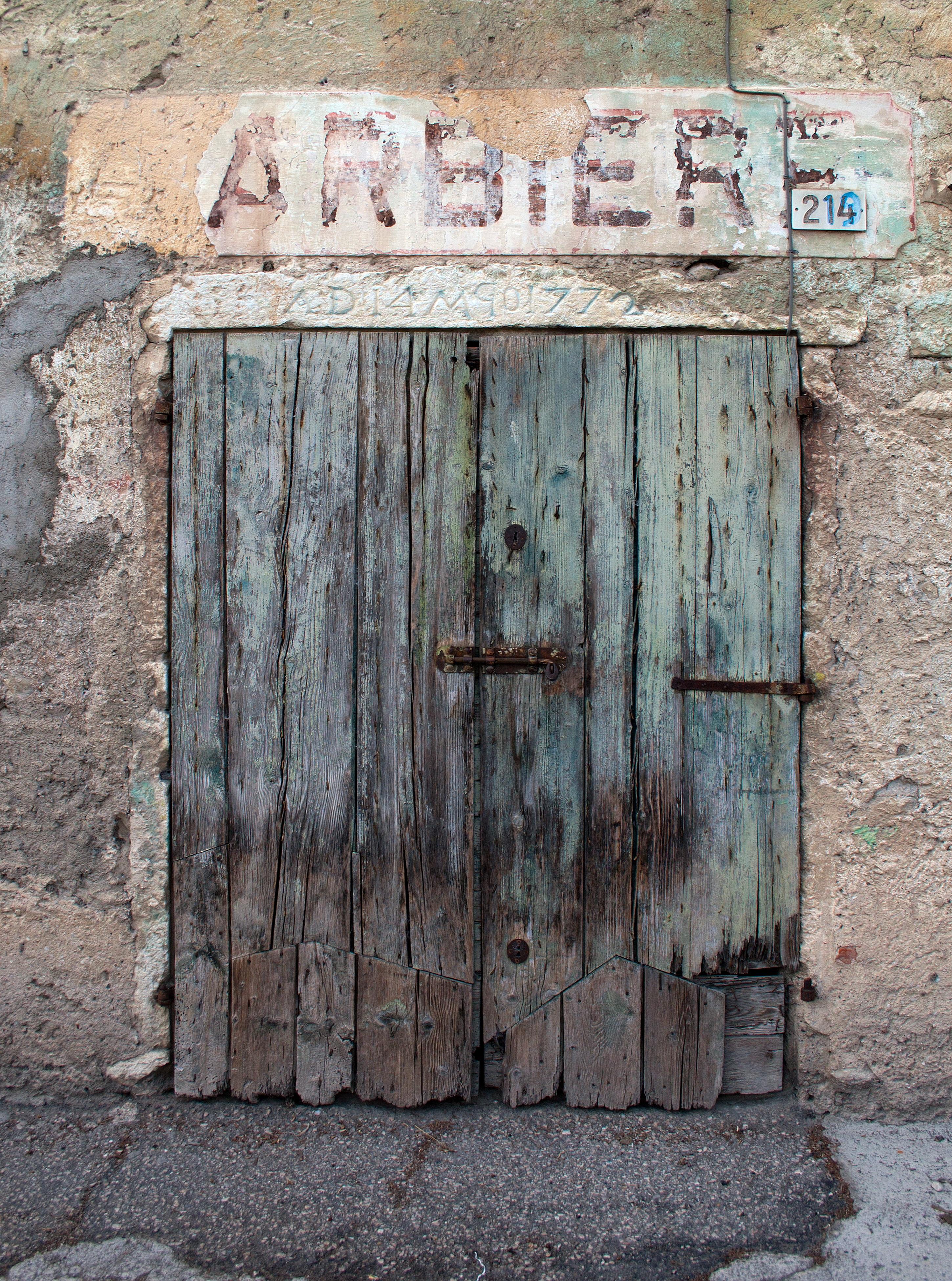 Old barber shop window - Wood Retro House Window Old Wall Blue Brick Door Doorway Dilapidated Barber Shop Urban Area Ancient