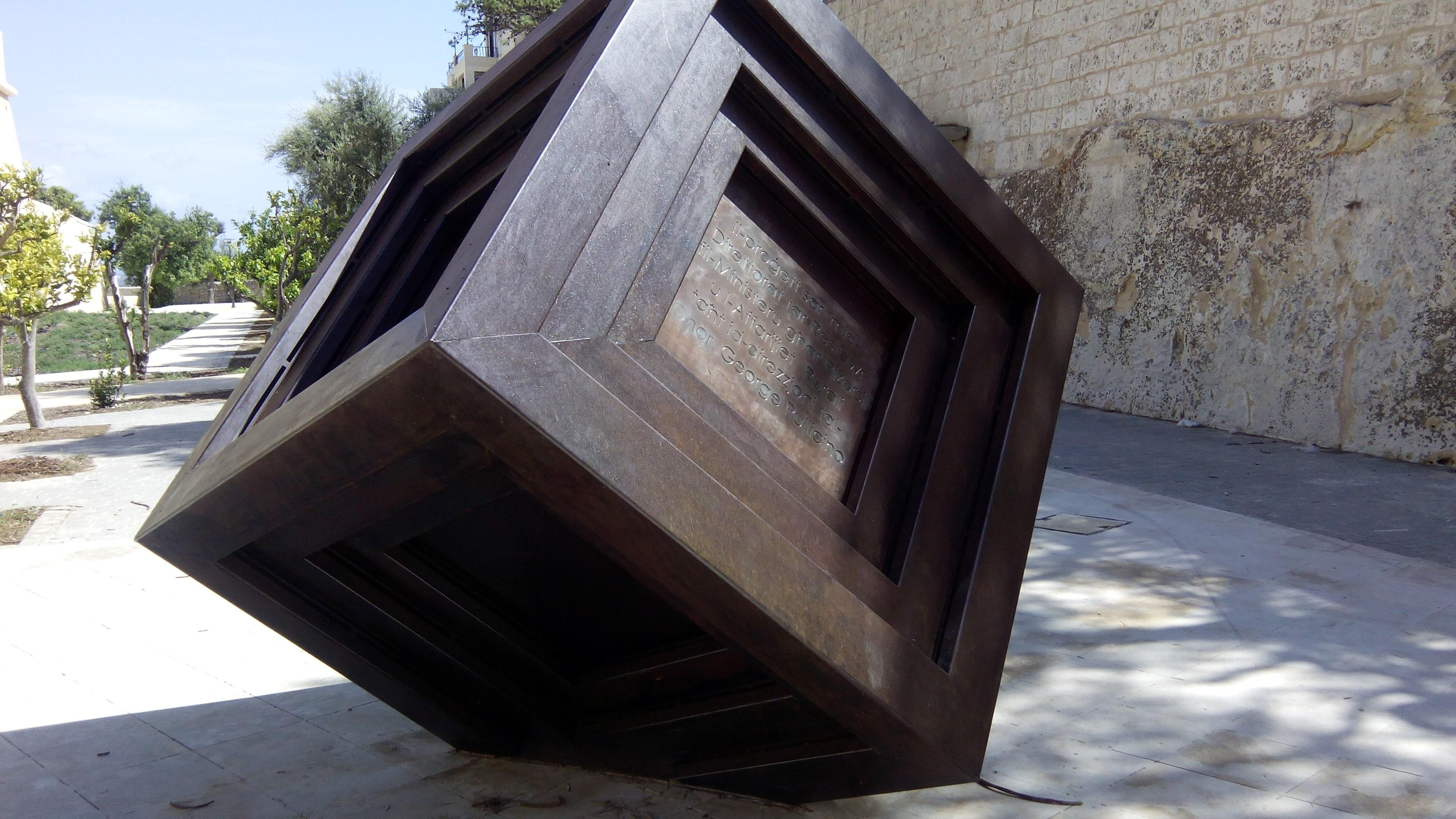 Moderne Skulptur gratis billeder træ tag skulptur terning malta moderne kunst