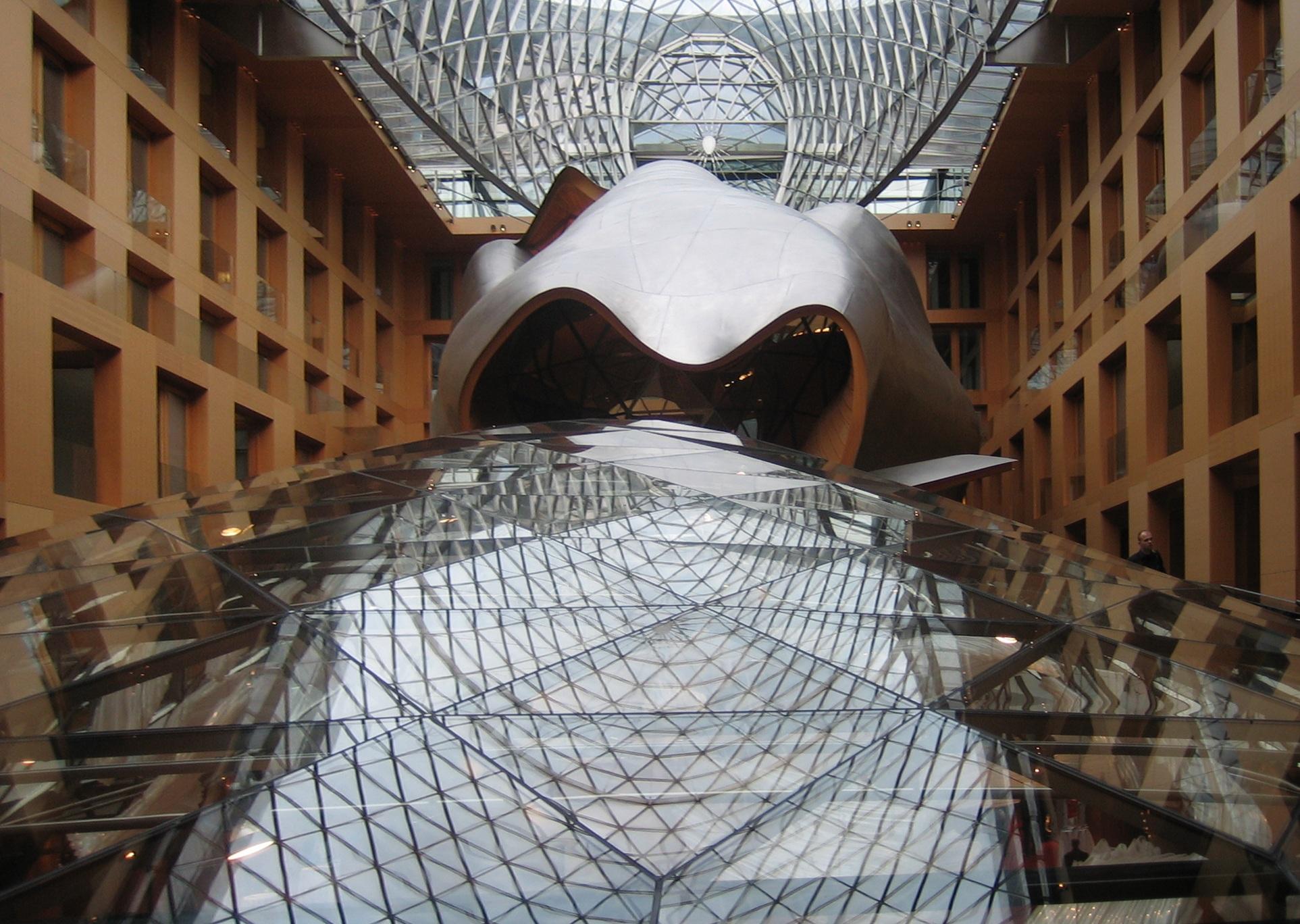 Holz Dach Burogebaude Moderne Architektur Skulptur Kunst Berlin Kuppel Frank Gehry Glasdach Glasbau Dz Bank Uberdachte