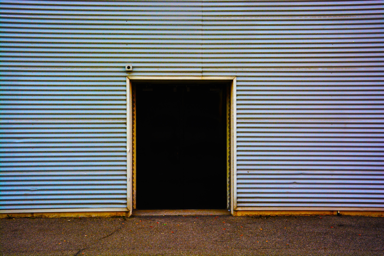 Fotos gratis : madera, acera, pared, línea, color, marco, fachada ...