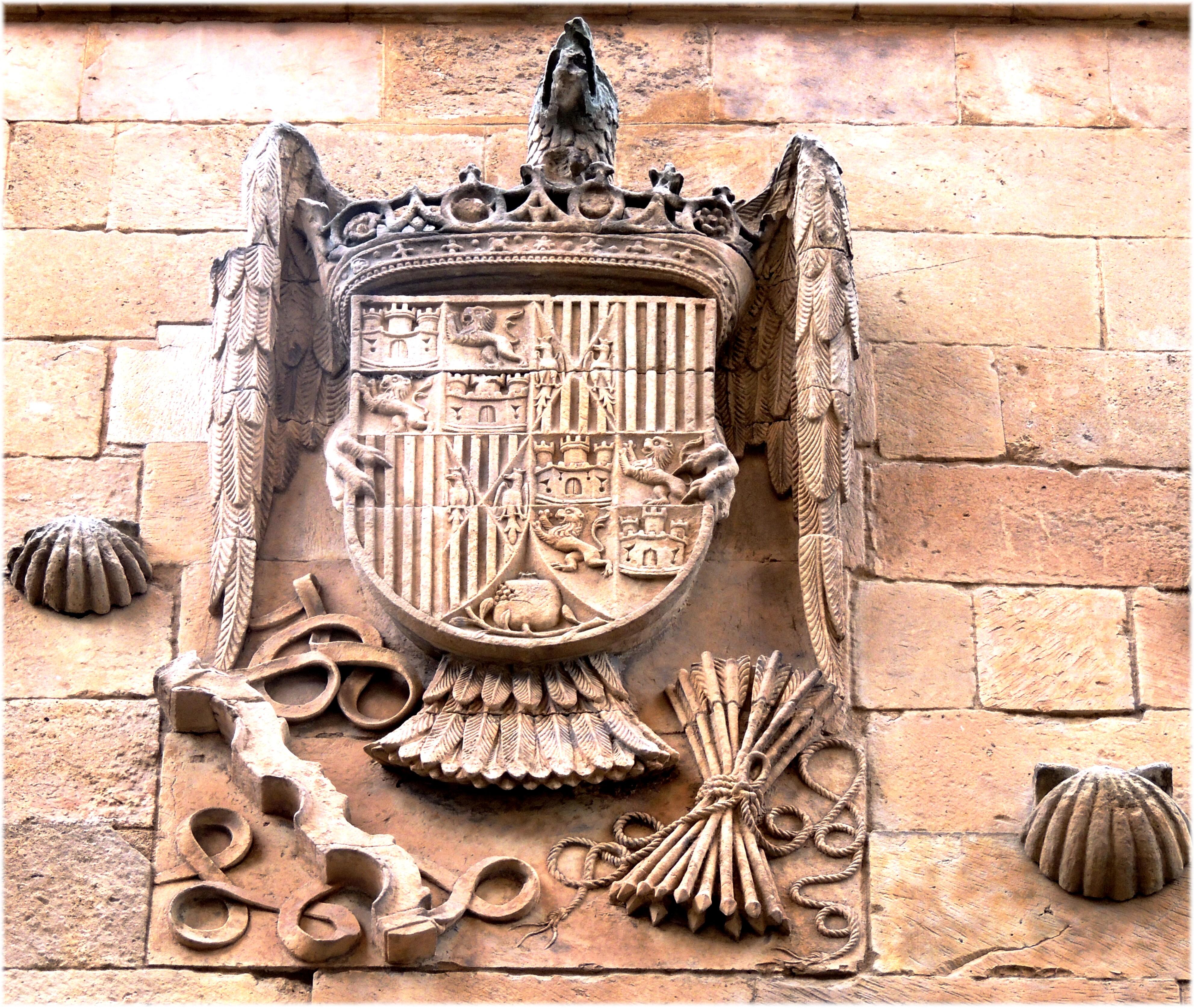 Madera Piedra Europa Mueble Escultura Art España Espagne Templo Europa  Escultura Salamanca Piedra Heraldica Castillayleon Espanha