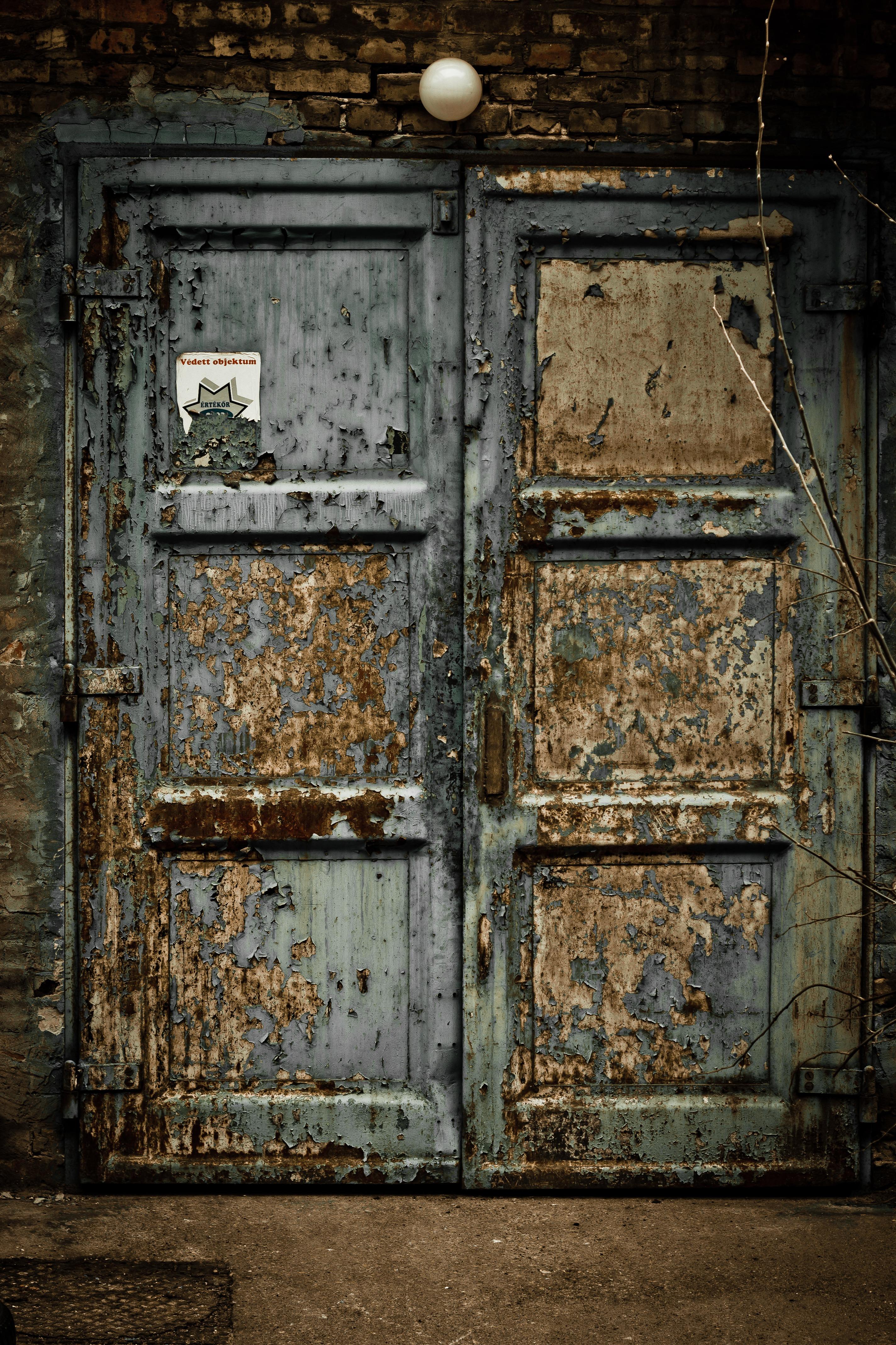 заброшенный дом и открытая дверь фото такое счастье каждое