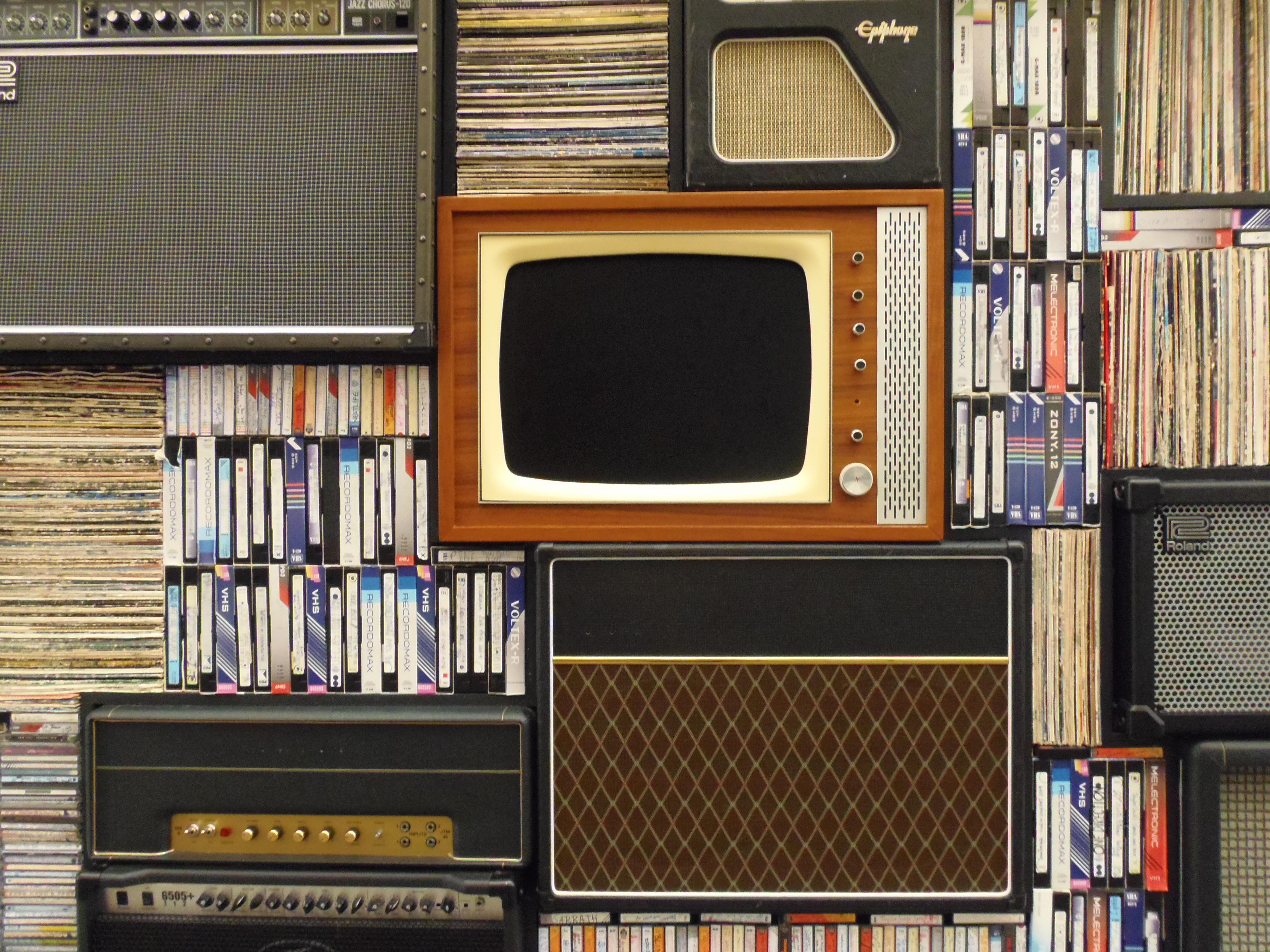 Wood Technology Vintage Old Analog Gadget Shelf Tv Furniture Radio Interior Design Bookcase Library Eye Shelving