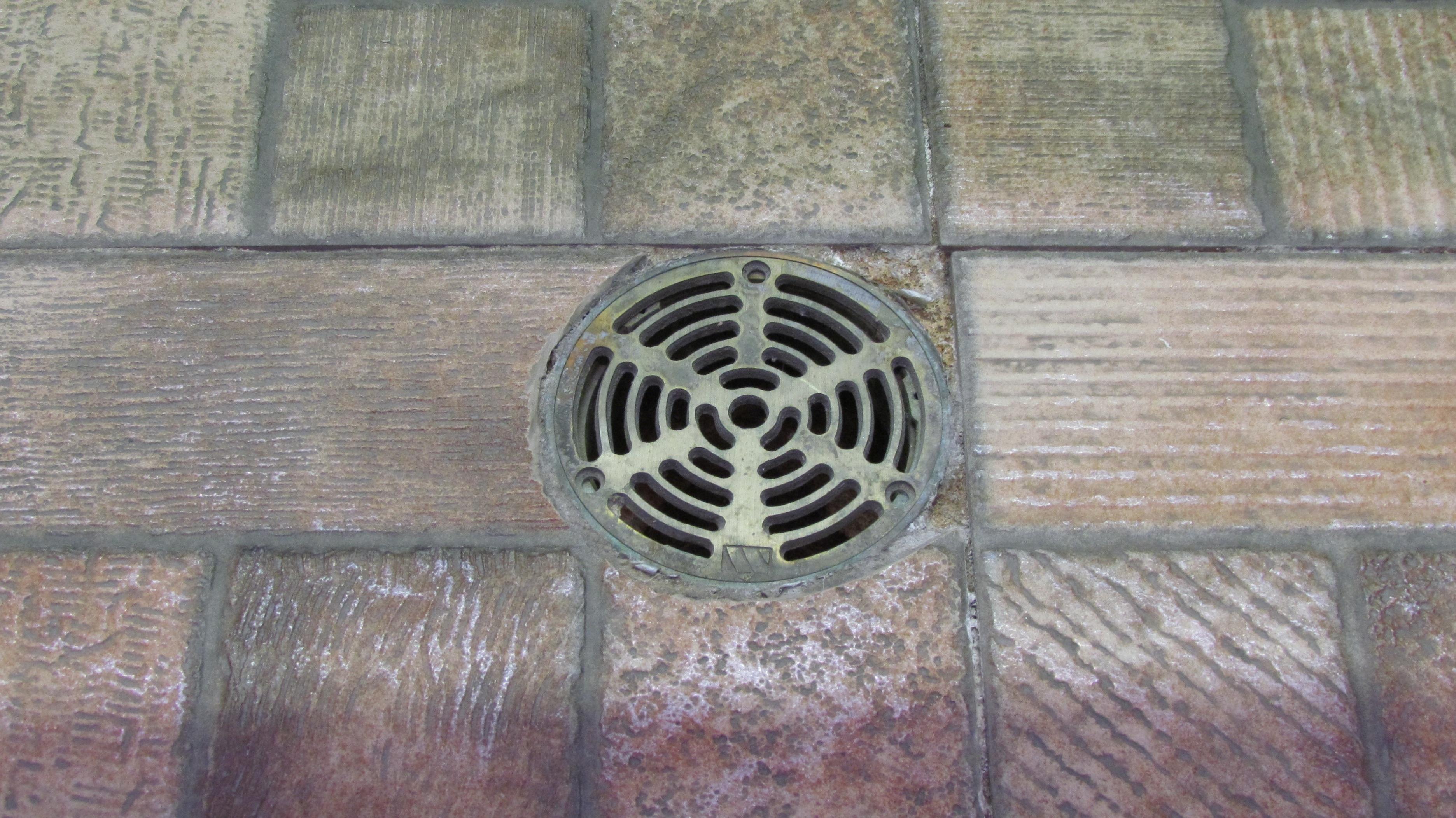 madera textura piso ventana antiguo metal interior drenaje rallar desage azulejos hierro cubrir plomera piso