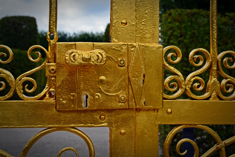 Золото цвет металл в