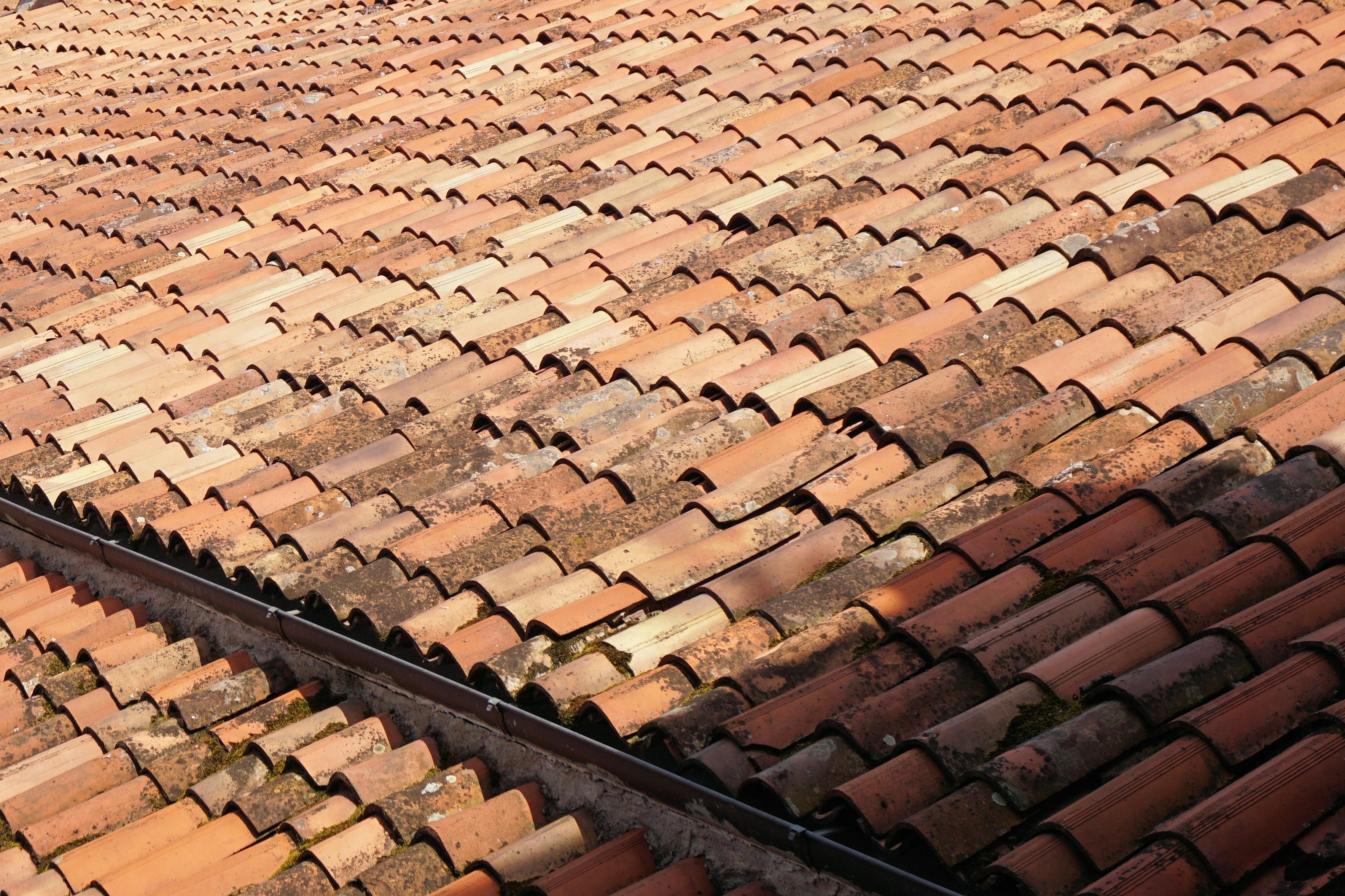 Kostenlose foto holz spur stock dach geb ude mauer for Boden ziegel