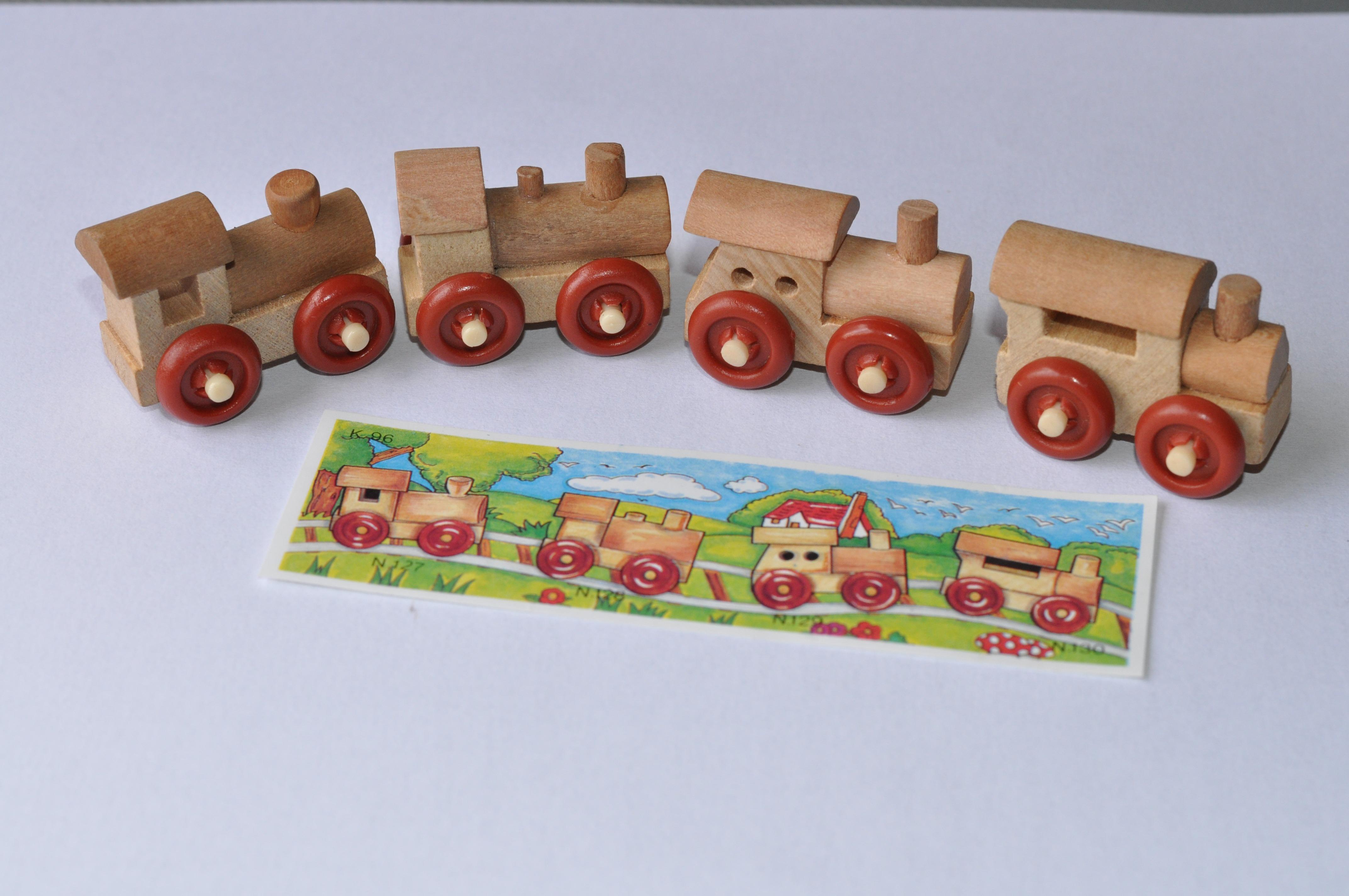 Fotos gratis juguete infancia producto art tren de - Juguetes antiguos de madera ...