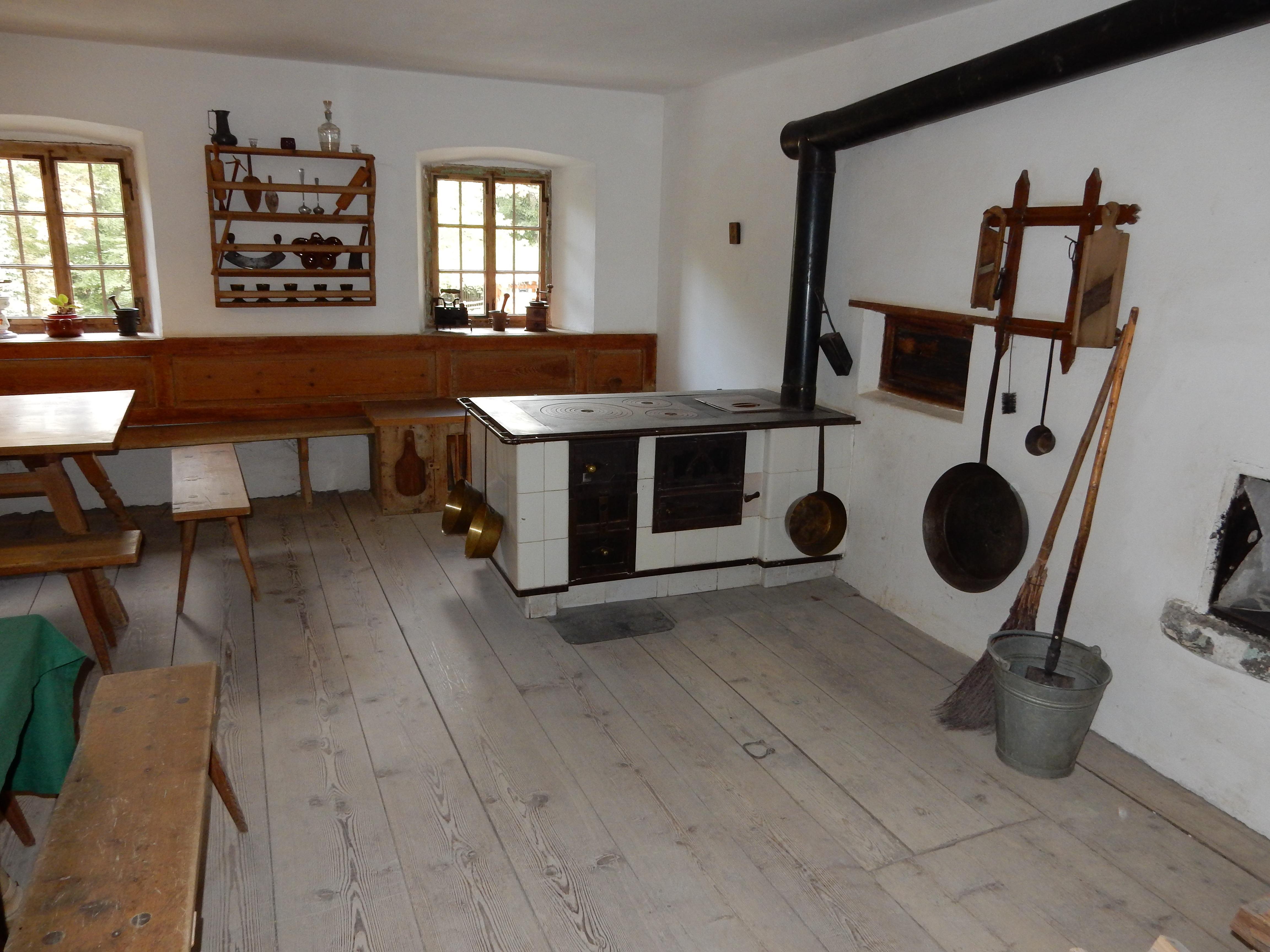Fotos gratis : villa, piso, casa, museo, cabaña, desván, cocina ...