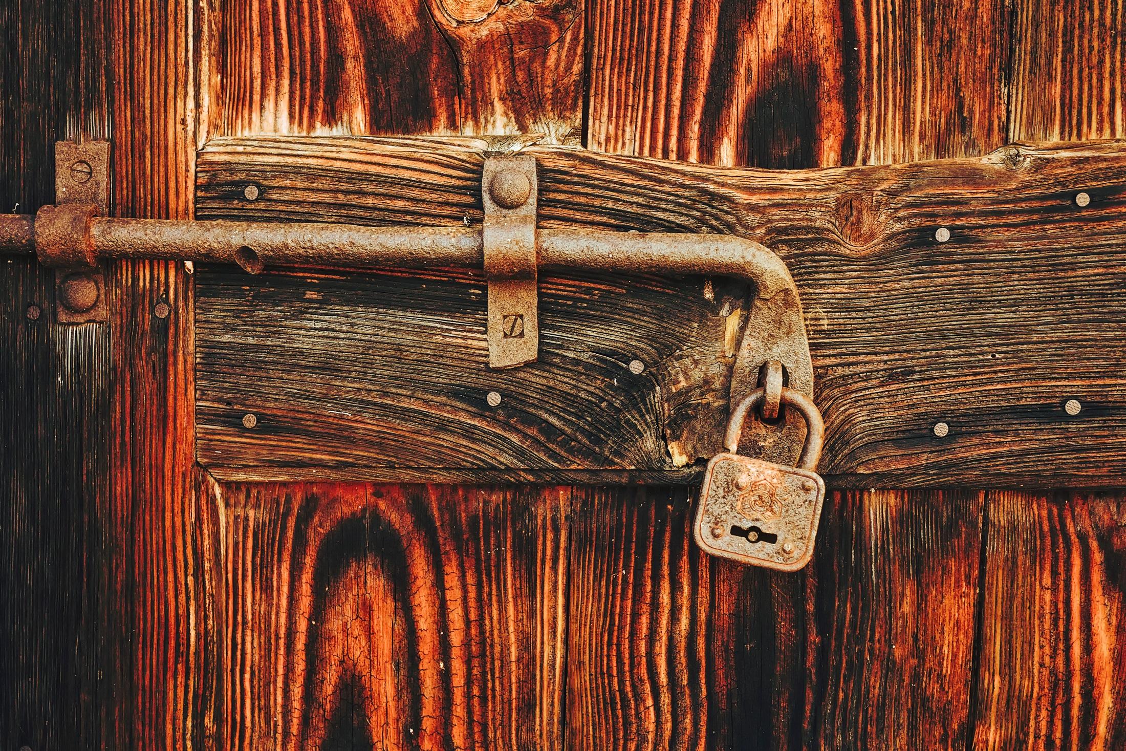 wood vintage antique texture old rust macro closeup door still life security doorway padlock hdr wooden & Free Images : vintage antique texture old rust macro closeup ...