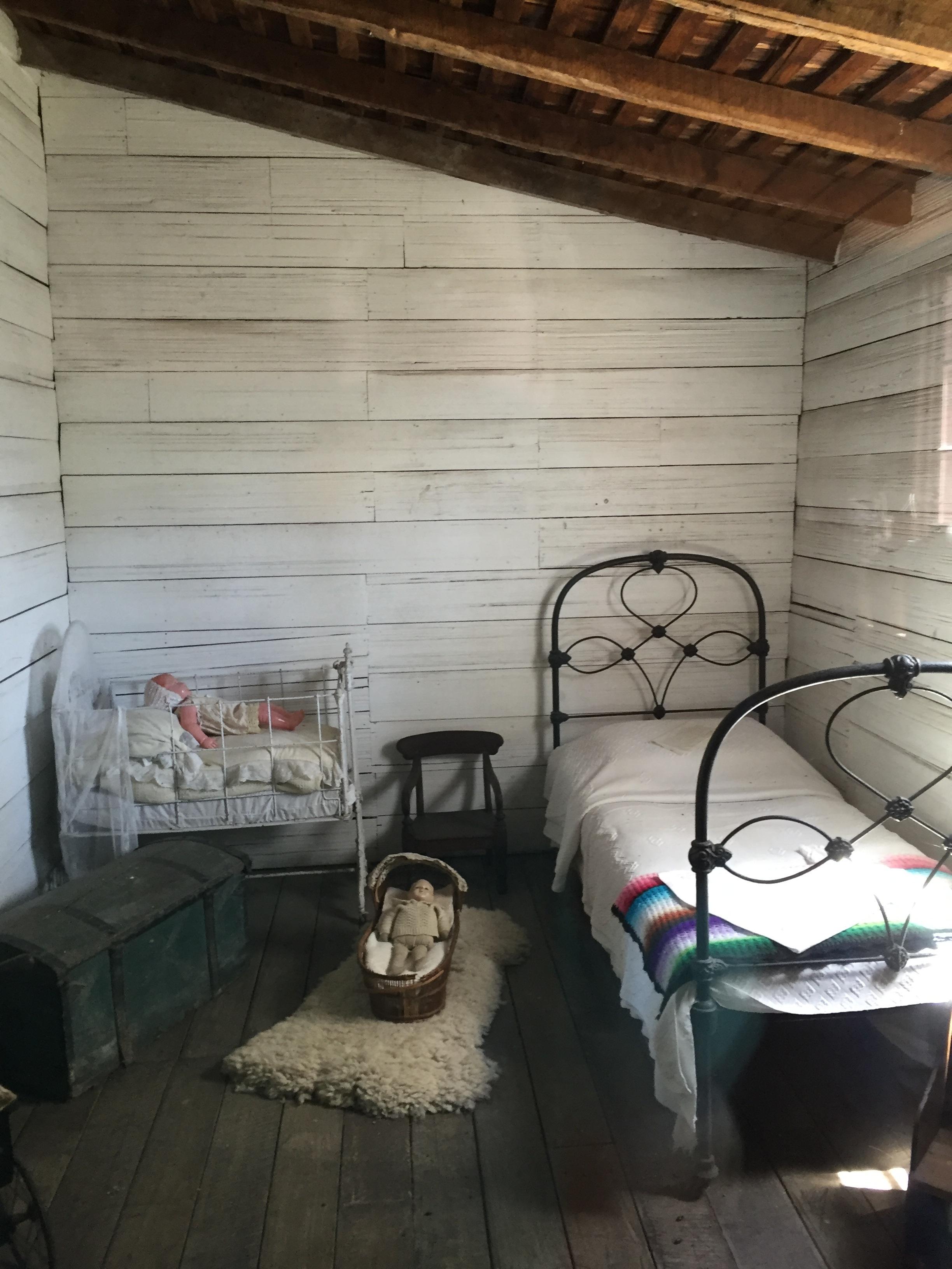 Wood Vintage House Floor Old Home Wall Cottage Property Living Room Historic Interior Design Bed