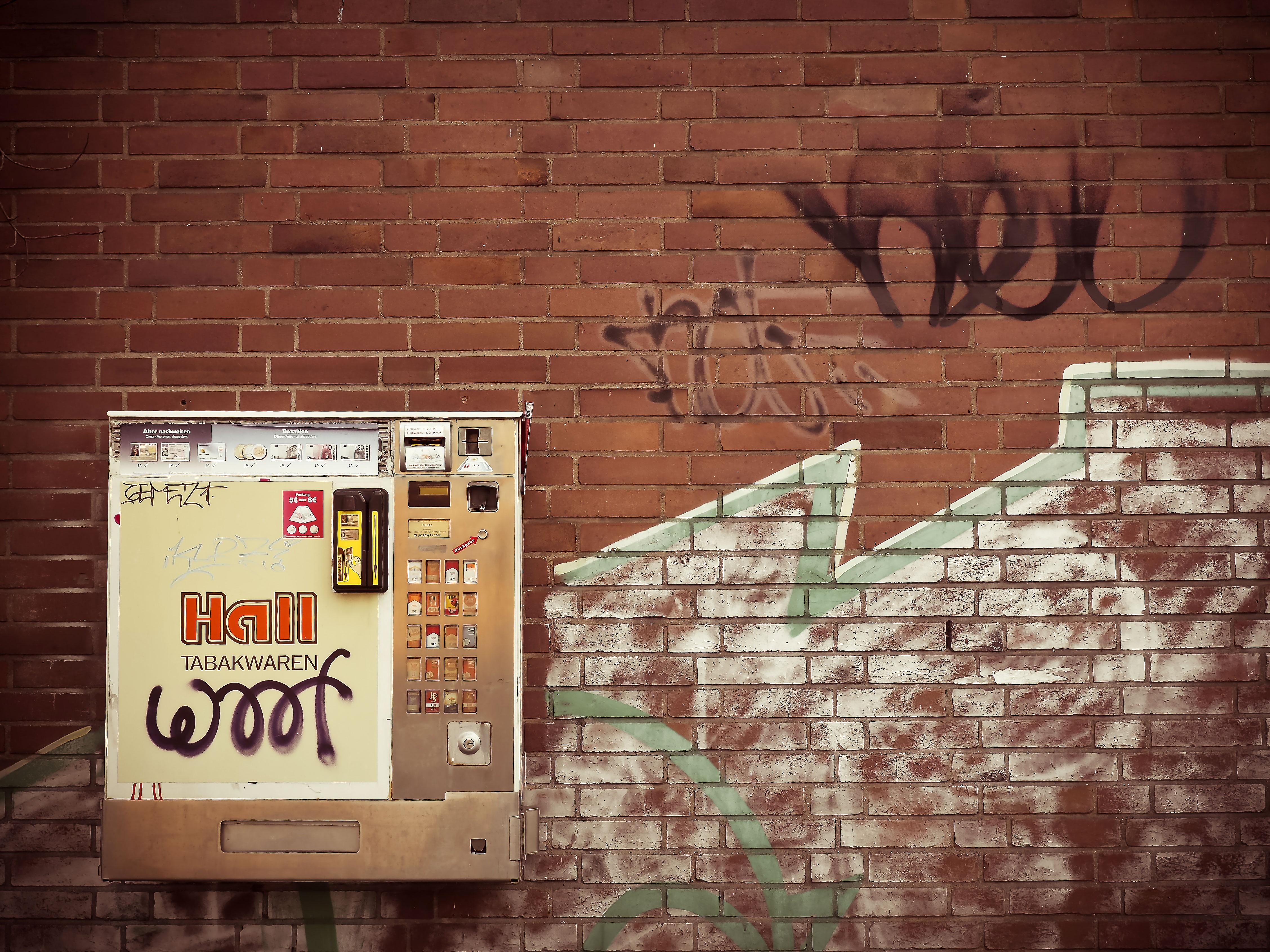 Graffiti art on wood - Wood Vintage Old City Urban Wall Smoking Color Facade Brick Graffiti Art Design Cigarettes Automatic Cigarette