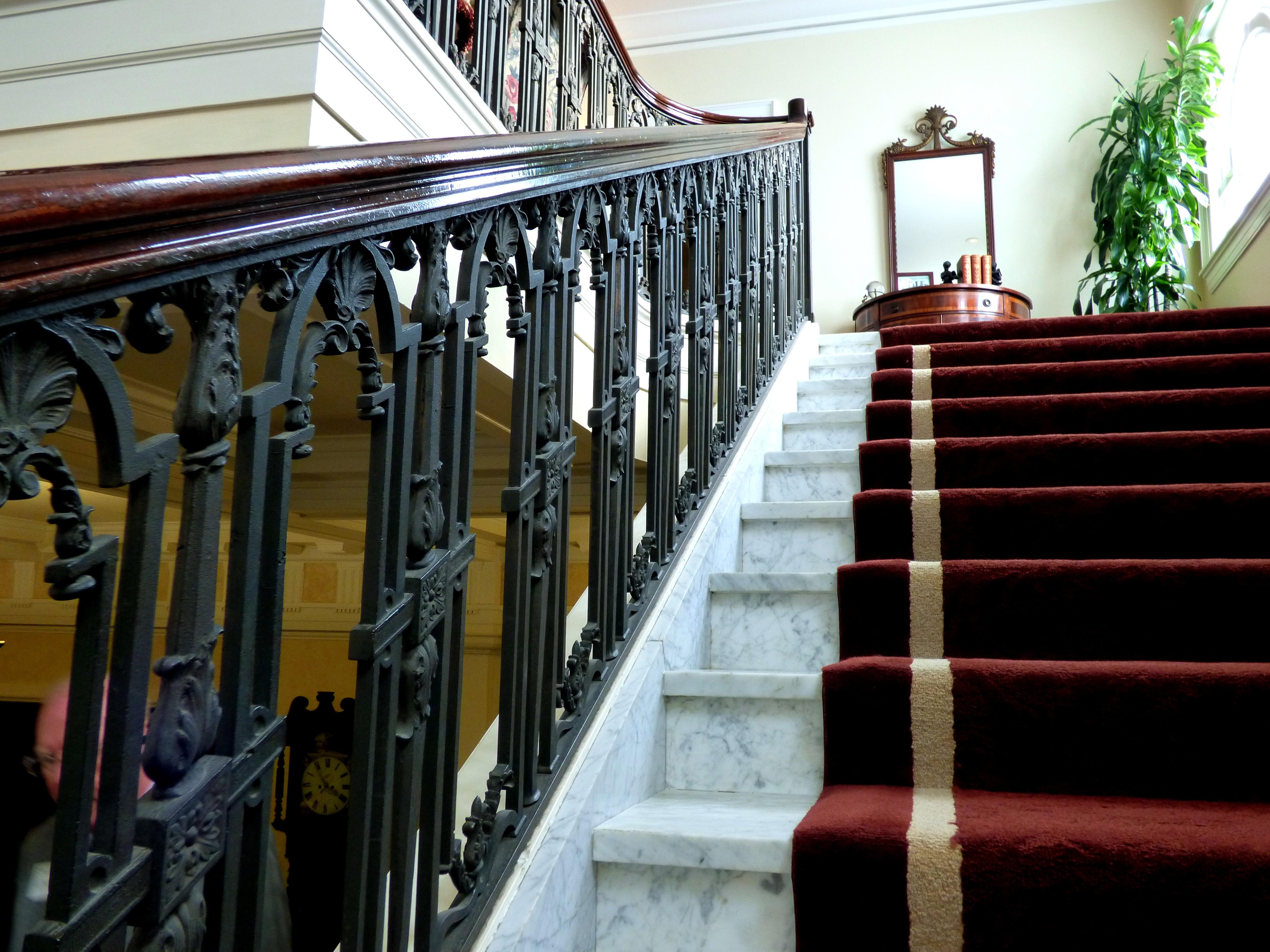 Tapijt Voor Balkon : Gratis afbeeldingen hout wijnoogst trappenhuis balkon tapijt