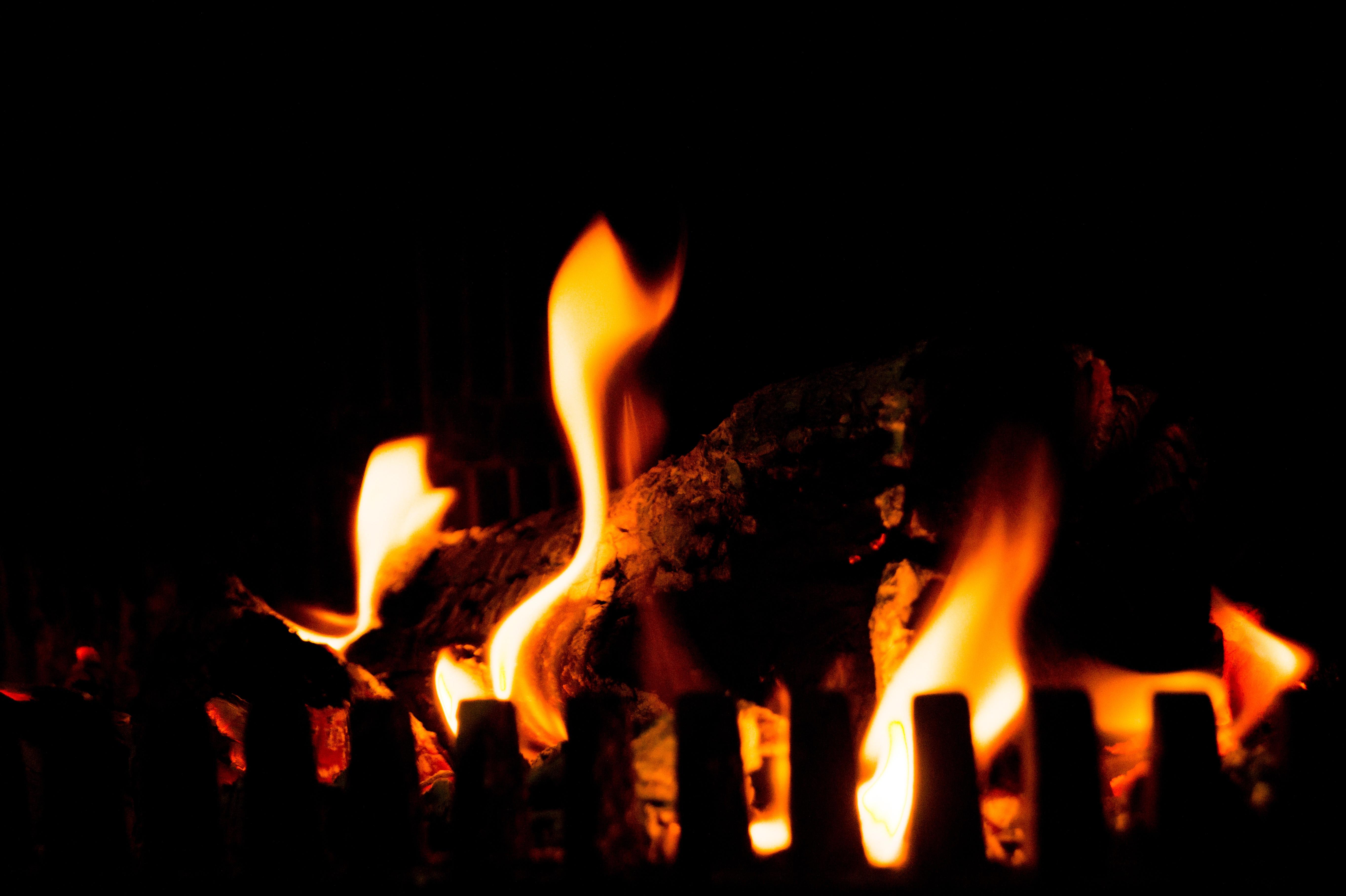 무료 이미지 : 목재, 따뜻한, 불꽃, 낭만적 인, 난로, 기분 좋은 ...