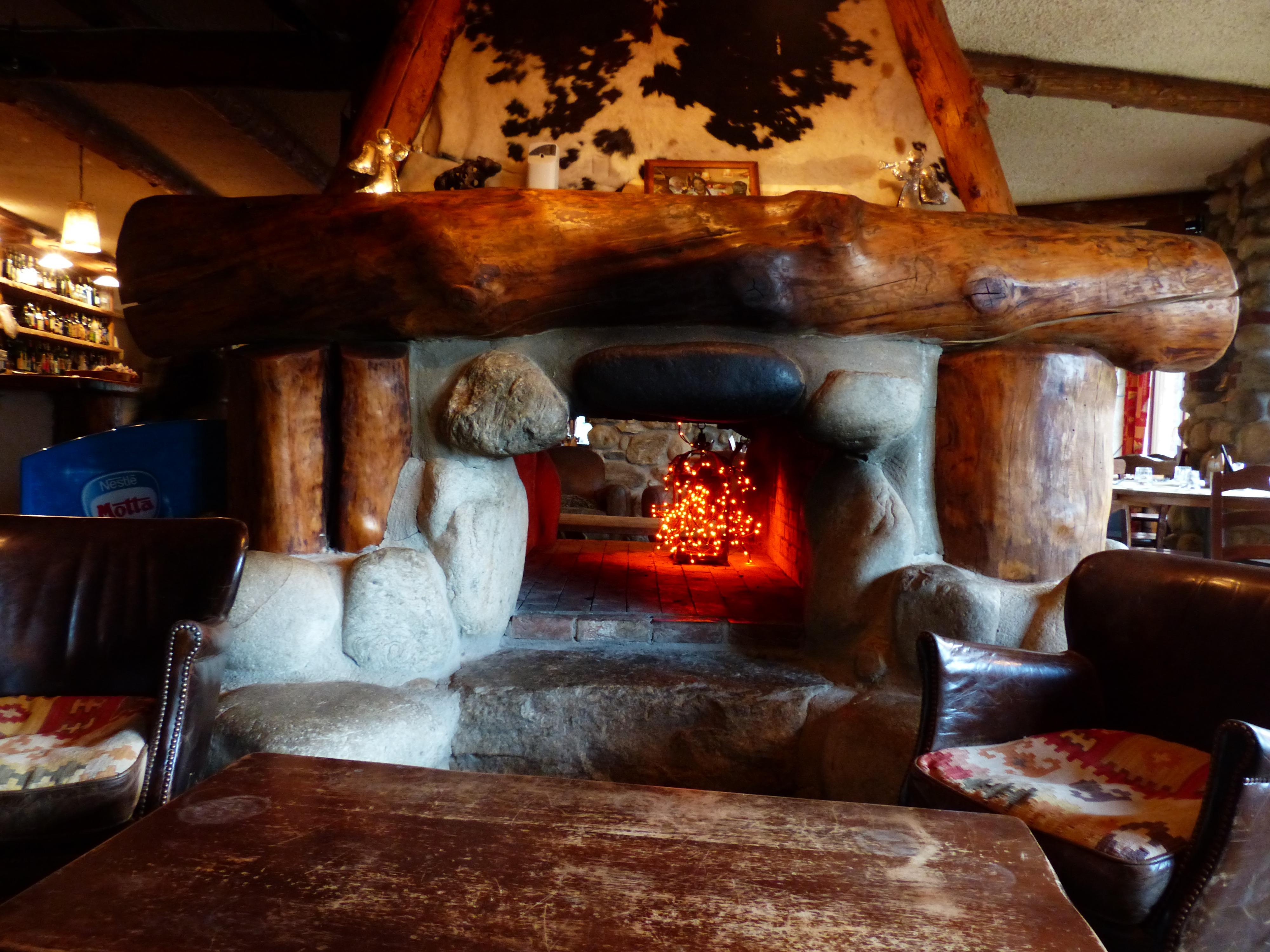 kostenlose foto : holz, warm, haus, zuhause, rustikal, hütte ... - Wohnzimmer Gemutlich Kamin