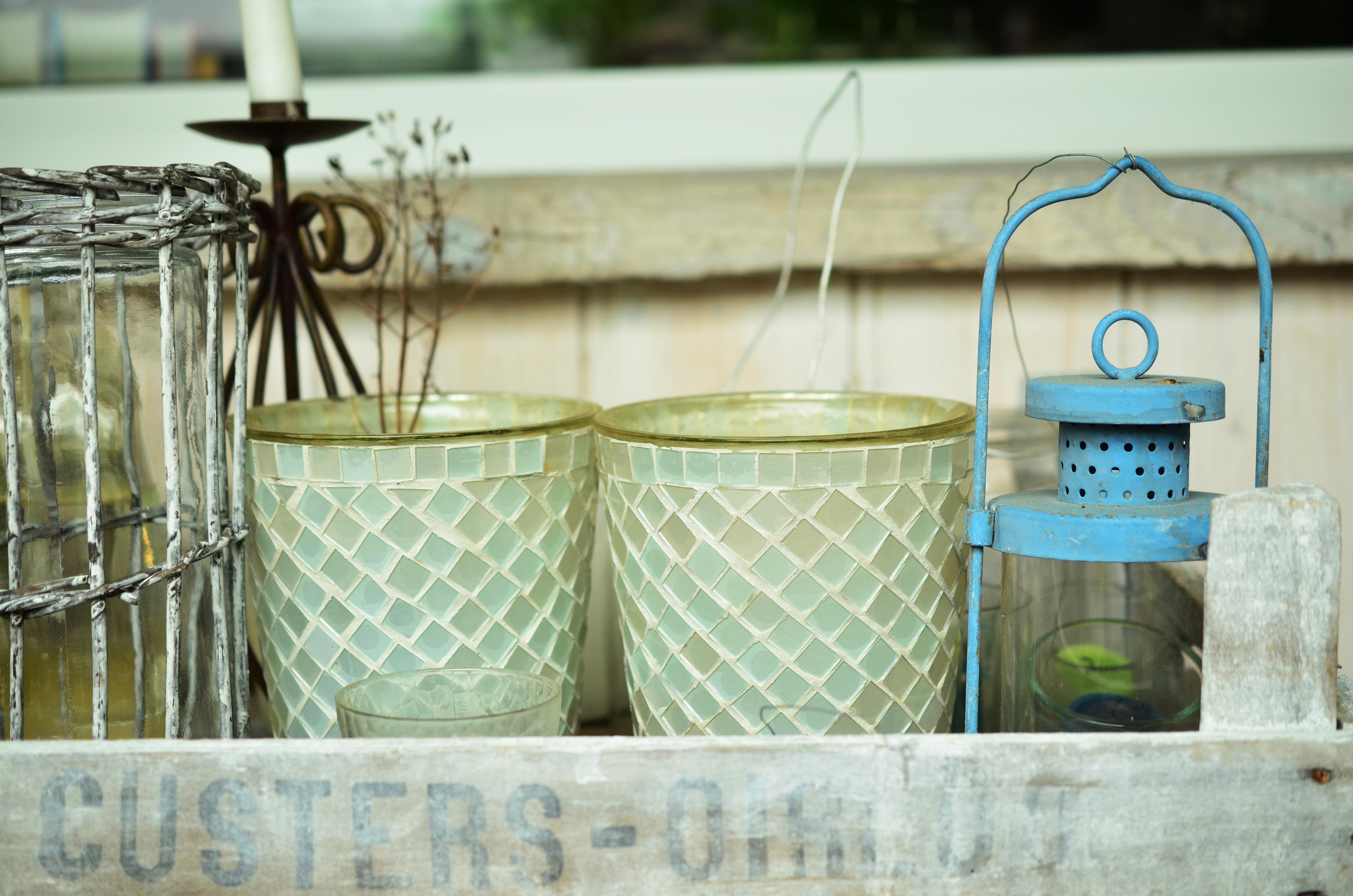 images gratuites bois blanc verre rustique balcon d coration lanterne bleu bo te. Black Bedroom Furniture Sets. Home Design Ideas