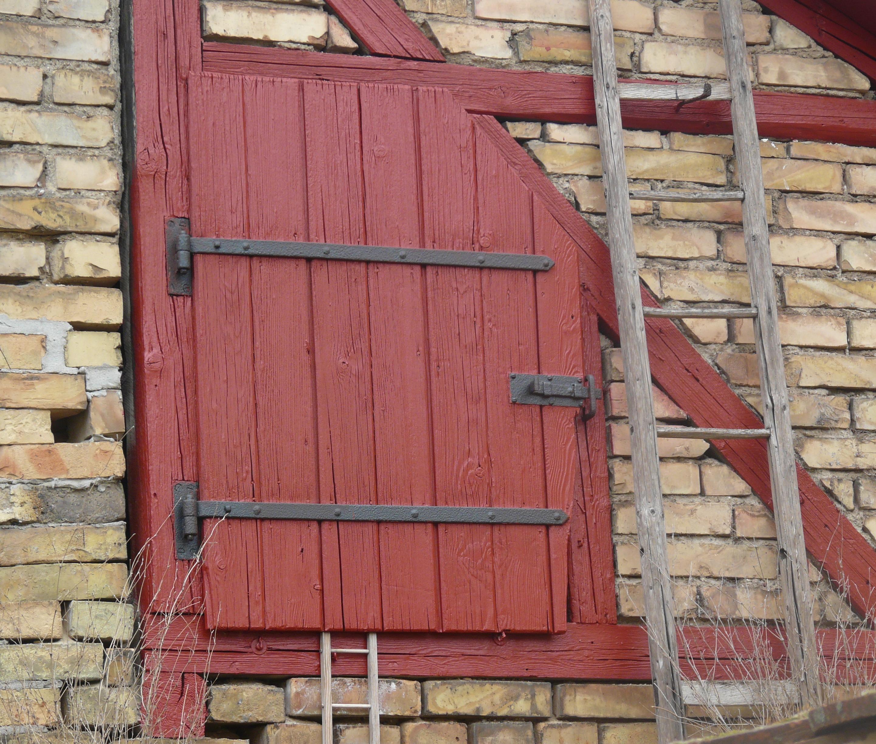 Fenetre Rustique images gratuites : fenêtre, grange, mur, cabanon, rustique, rouge