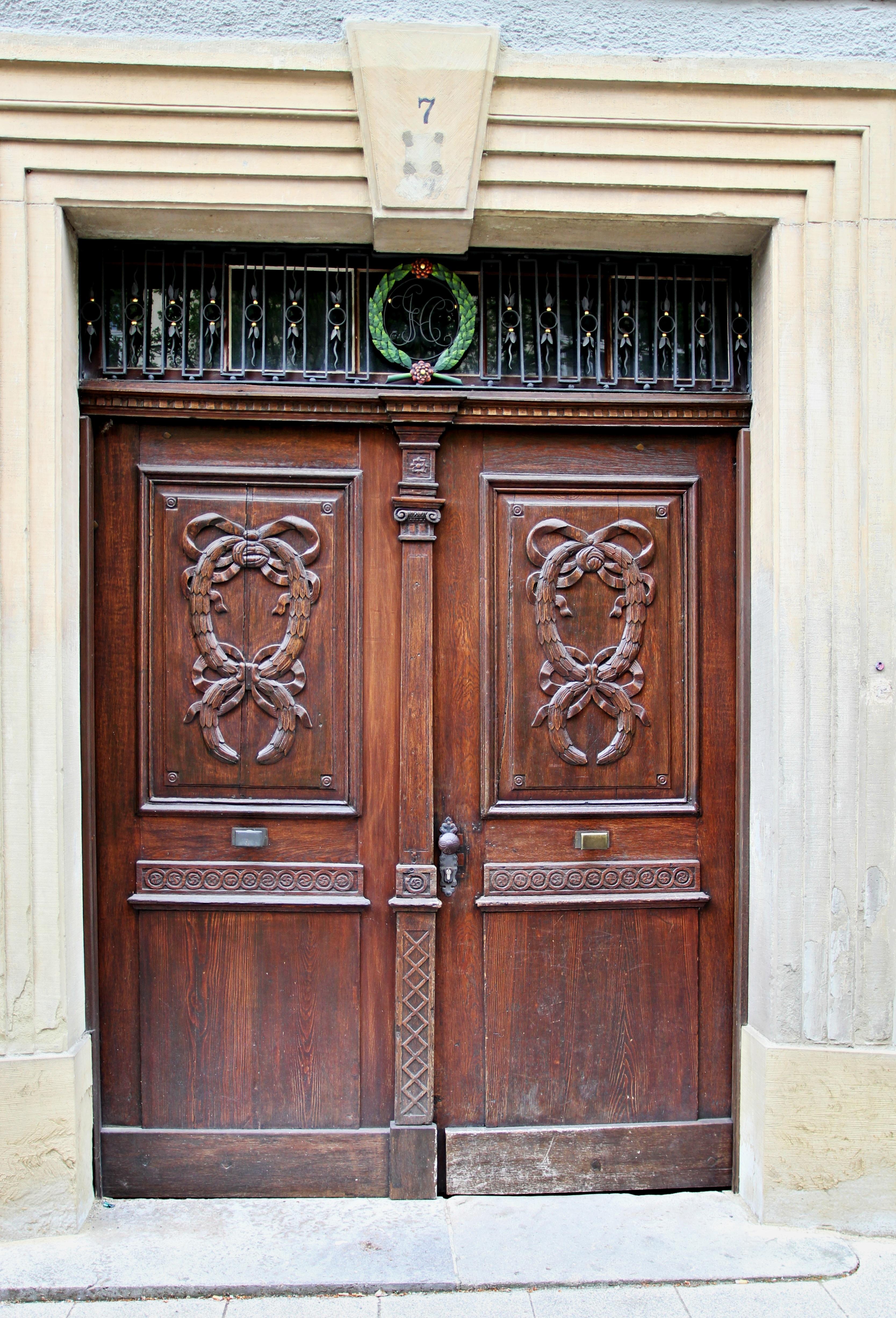 Holz Fenster Braun Fassade Möbel Tür Geschichte Schrank Altes Holz  Garagentor Kabinett