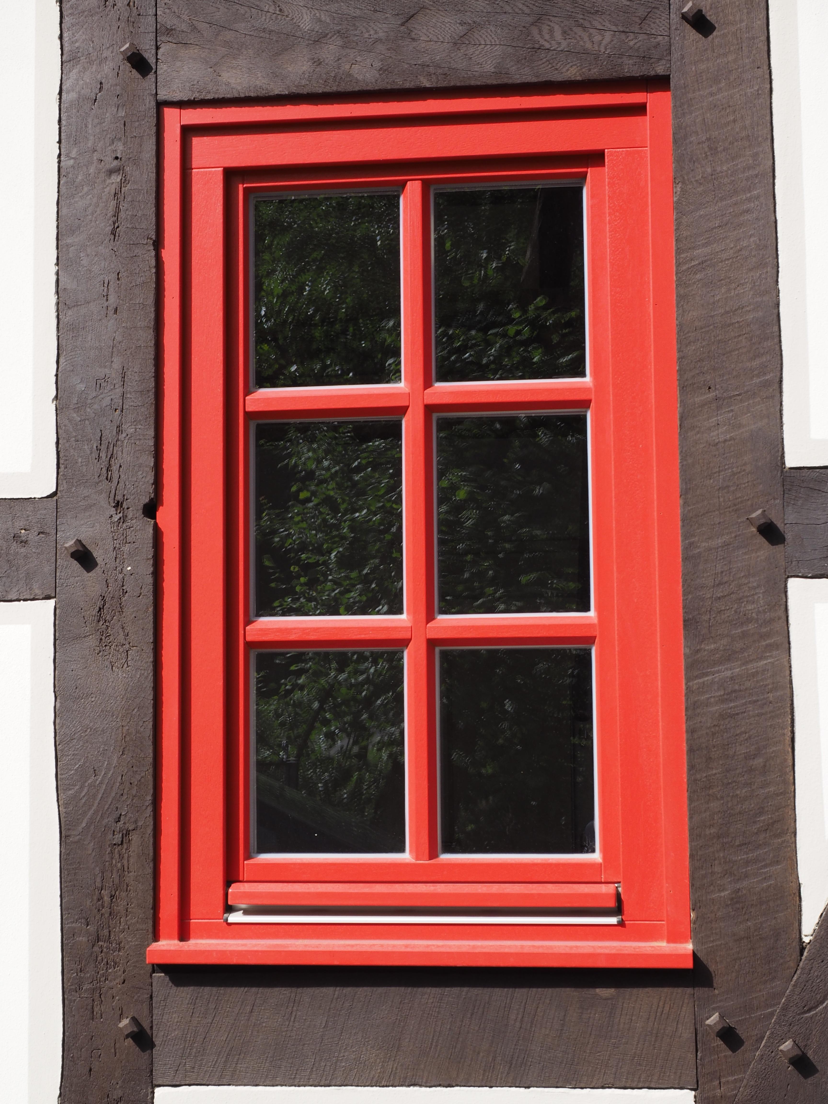 Images gratuites bois fen tre verre rouge porte for Fenetre en verre