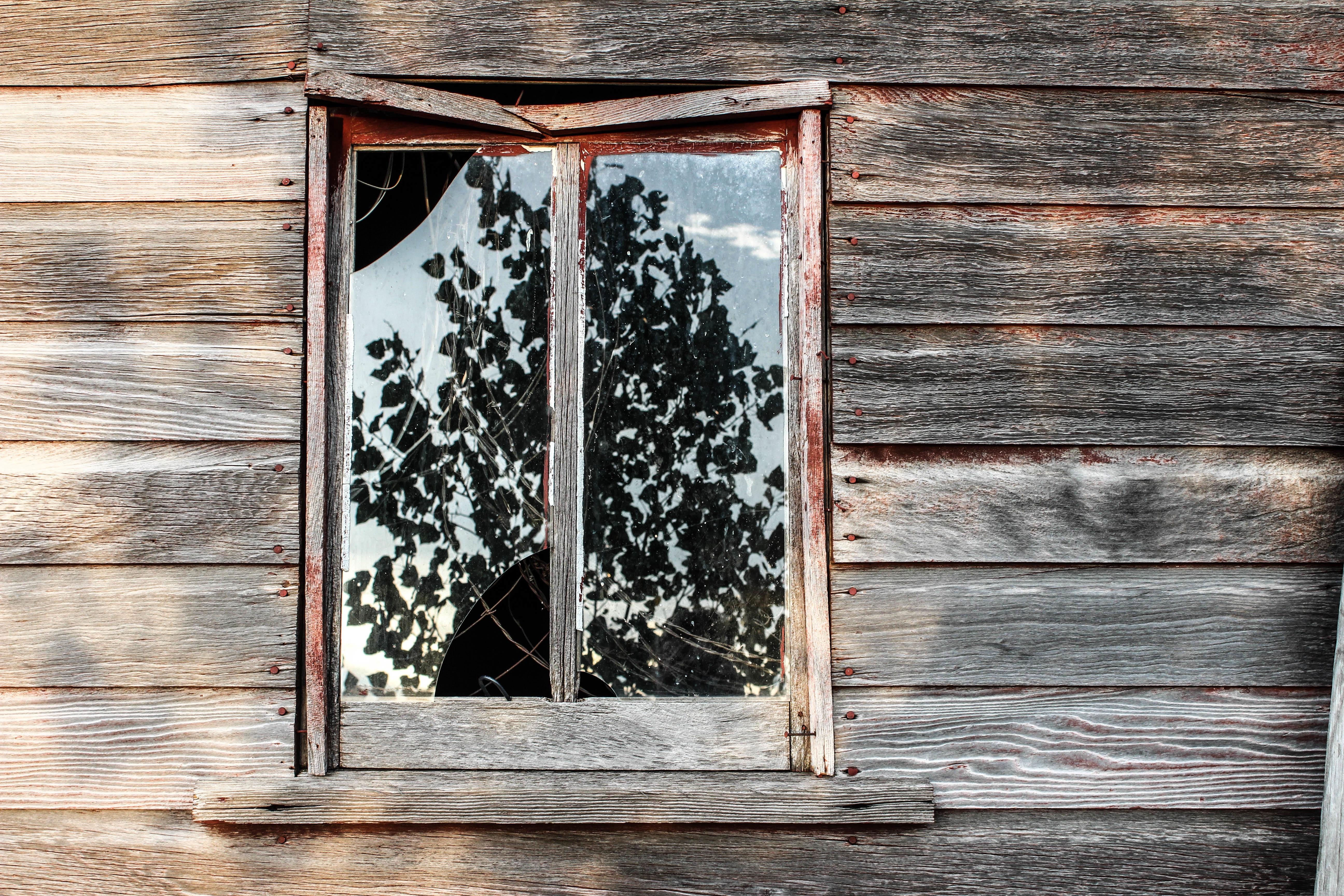 Kostenlose foto : Holz, Fenster, Mauer, Schuppen, Tür, Bilderrahmen ...