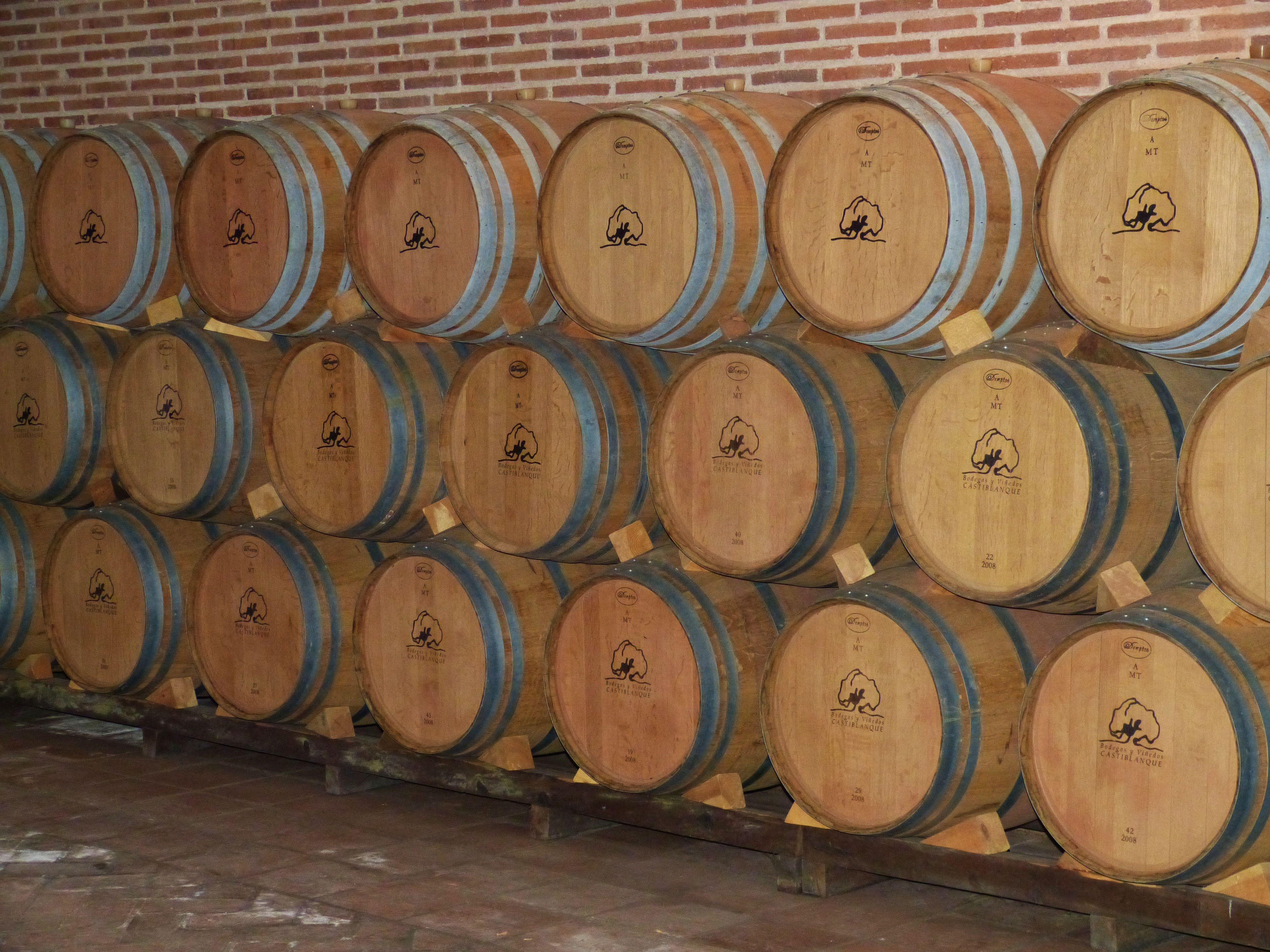 Free Images : wood, barrel, stock, cellar, keller, wooden