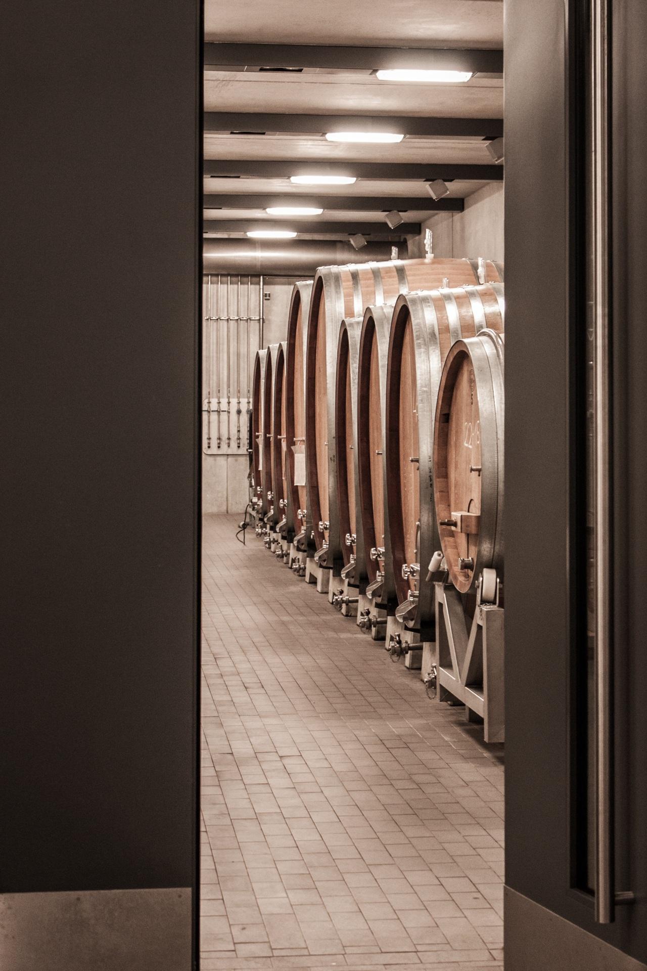 Meuble En Tonneau De Vin images gratuites : du vin, salle, meubles, chambre