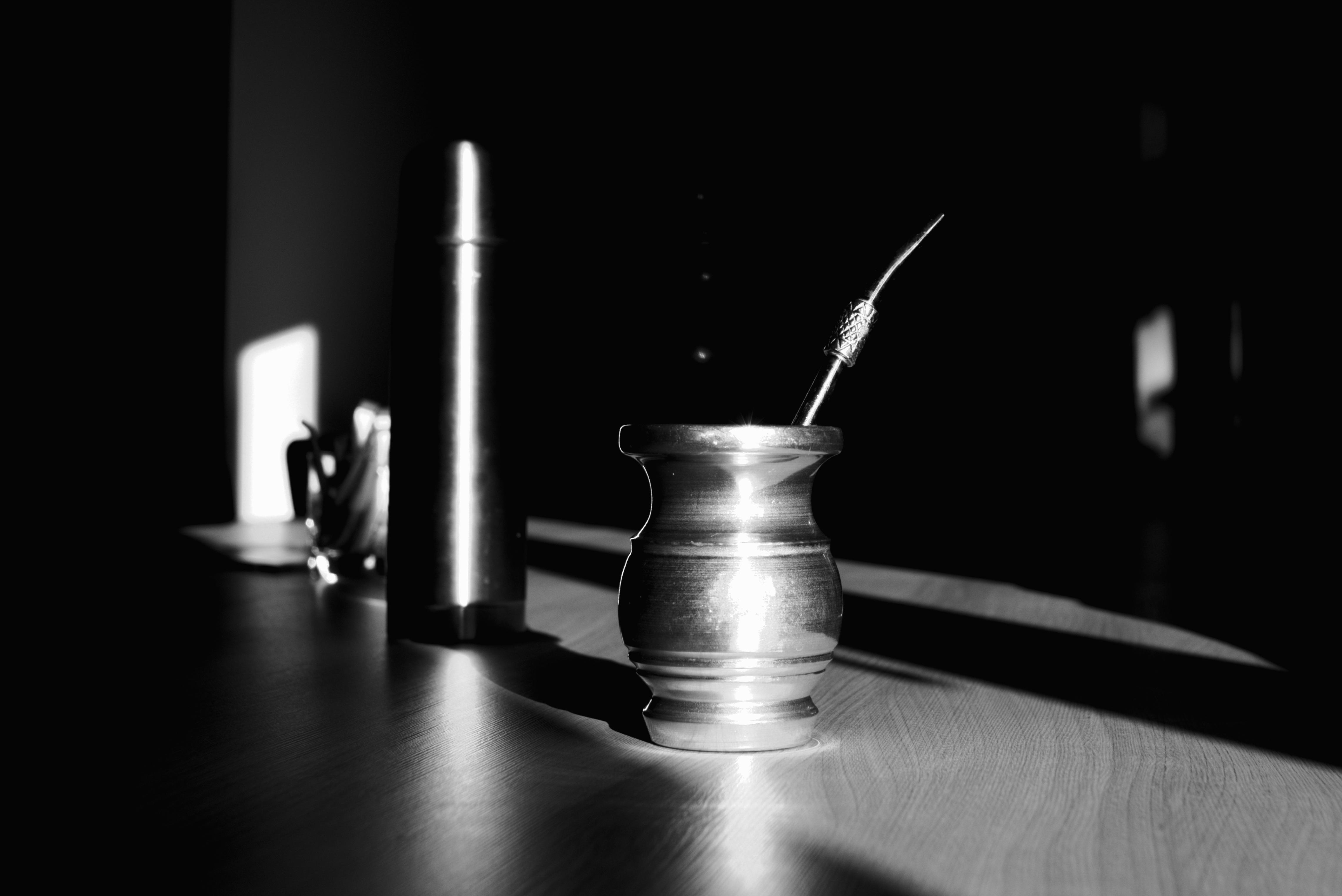 Gambar Kerja Kopi Hitam Dan Putih Teh Kaca Gelap Kantor Minum Kegelapan Satu Warna Penerangan Masih Hidup Bayangan Perak Kebangkitan Menekankan Kelelahan Yerba Pasangan Hidup Masih Fotografi Fotografi Monokrom Lembur 4563x3047