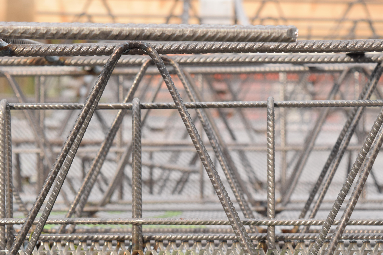 Steel Fence Construction : Roof fencing prefer frameless glass for lake side