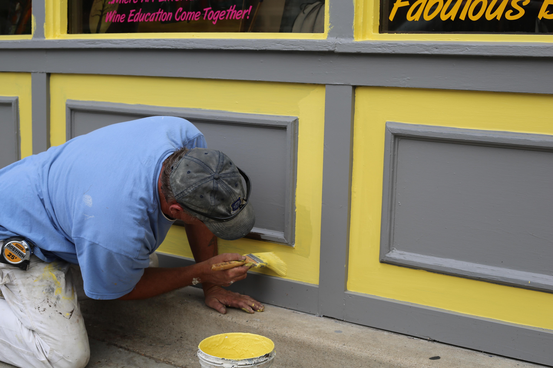 Fotos Gratis Trabajo Hombre Trabajando Ventana Edificio  ~ Herramientas Pintor Profesional