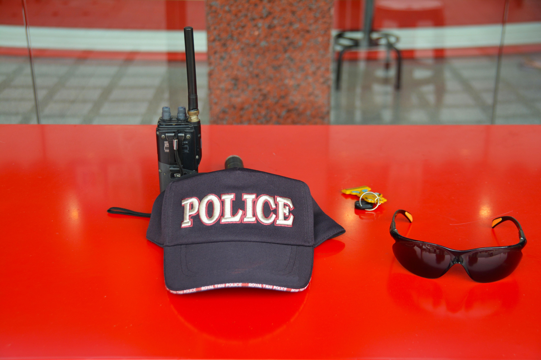 Fotoğraf Iş Askeri Işaret Kırmızı Sembol şapka Meslek Giyim